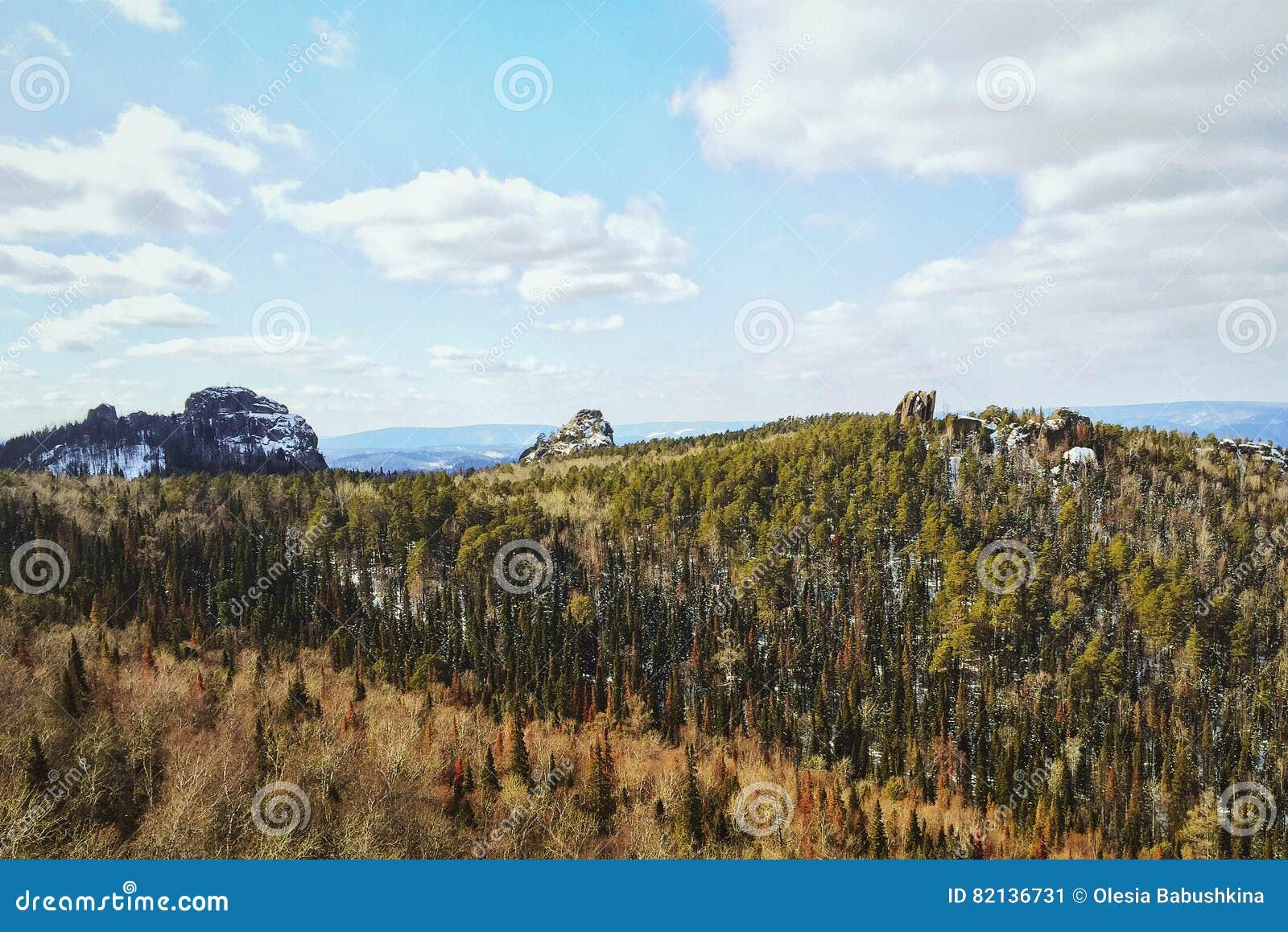 Vorfrühling in den sibirischen Reserve Krasnojarsk-Säulen