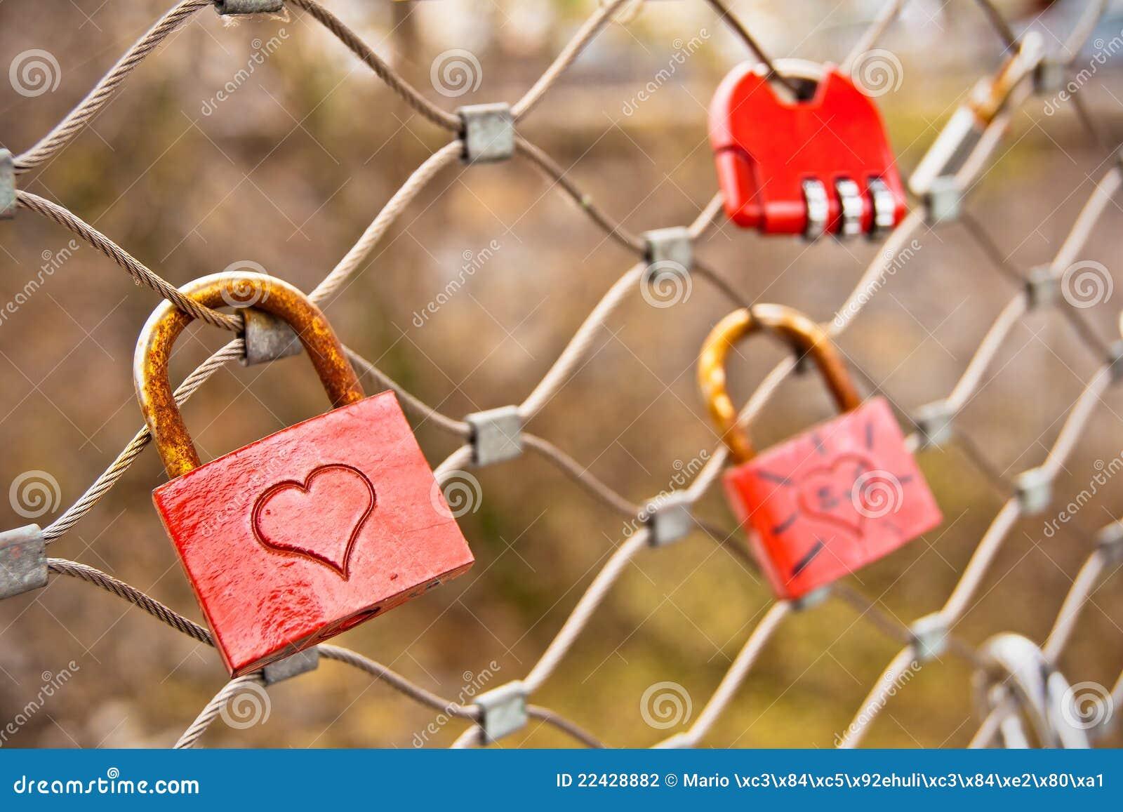 Vorhängeschlösser der Liebe