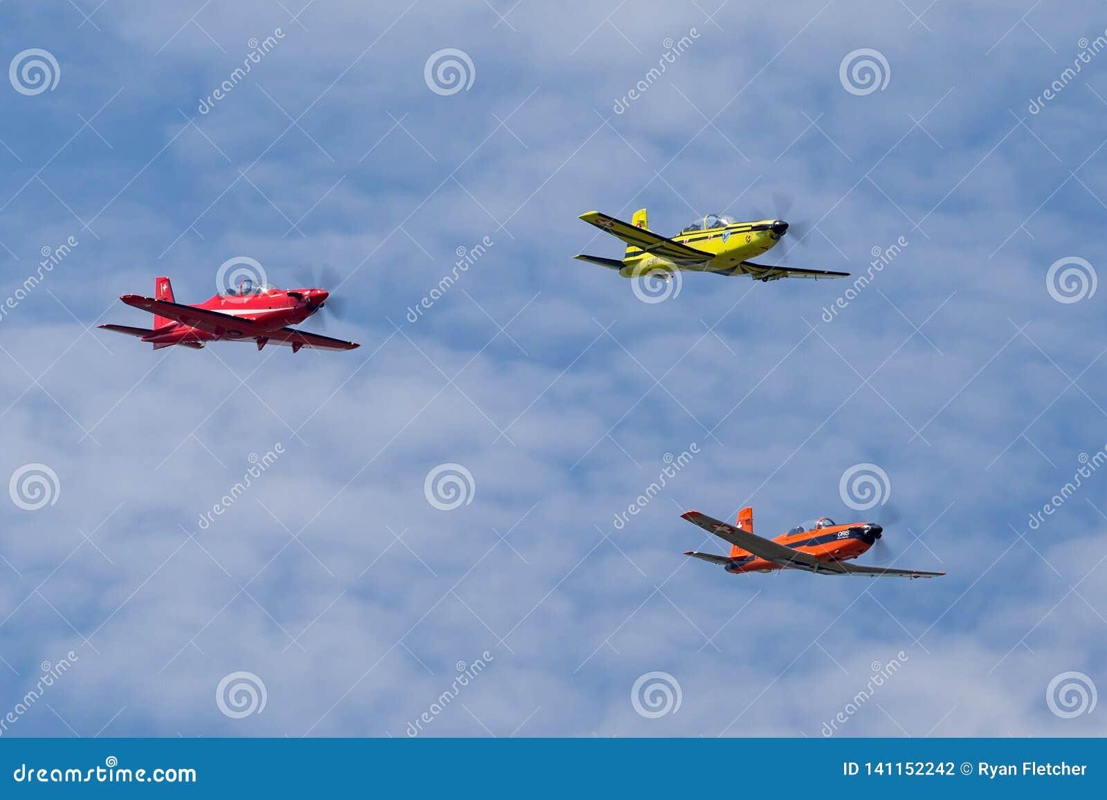 Vorming die van Swiss Air-Kracht opleidingsvliegtuigen uit een Pilatus PC-9, PC-7 en PC-21 bestaan