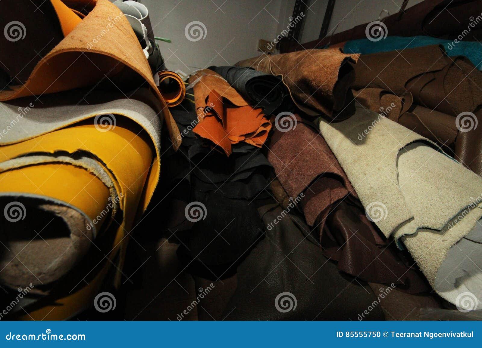 Vorrat an braune lederne Auswahl/Vorrat an Leder in der Textilherstellung