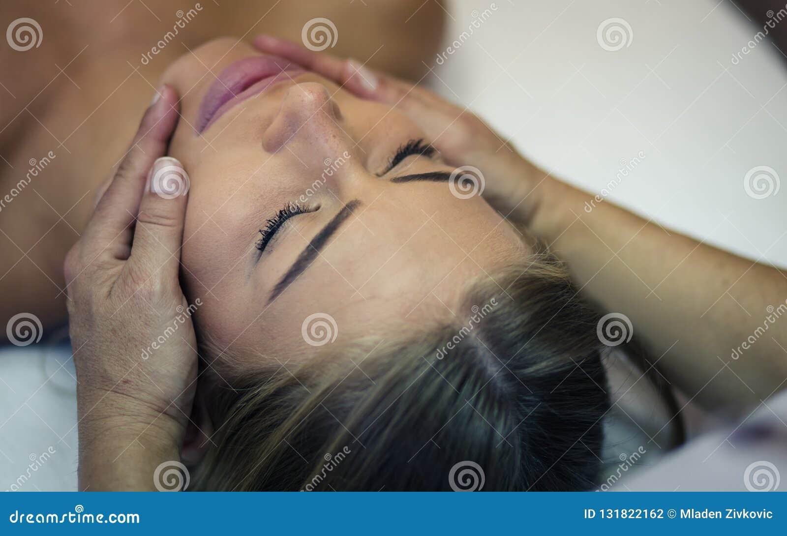 Votre visage mérite le massage