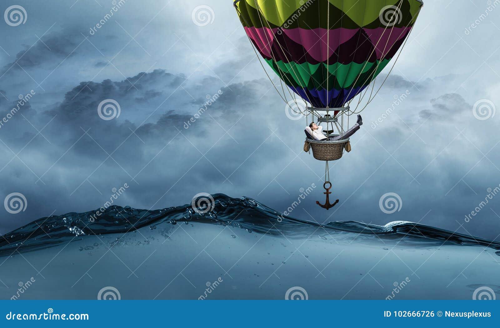 Voyage d homme d affaires sur le ballon à air