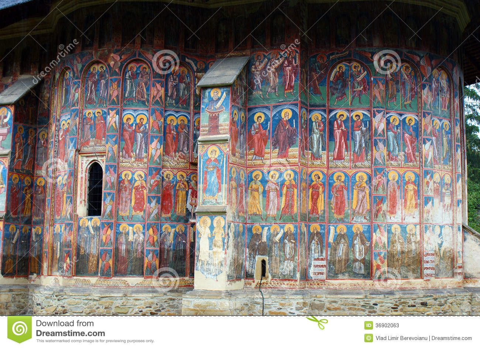 Voyage vers la roumanie peintures murales de moldovita for Peintures murales