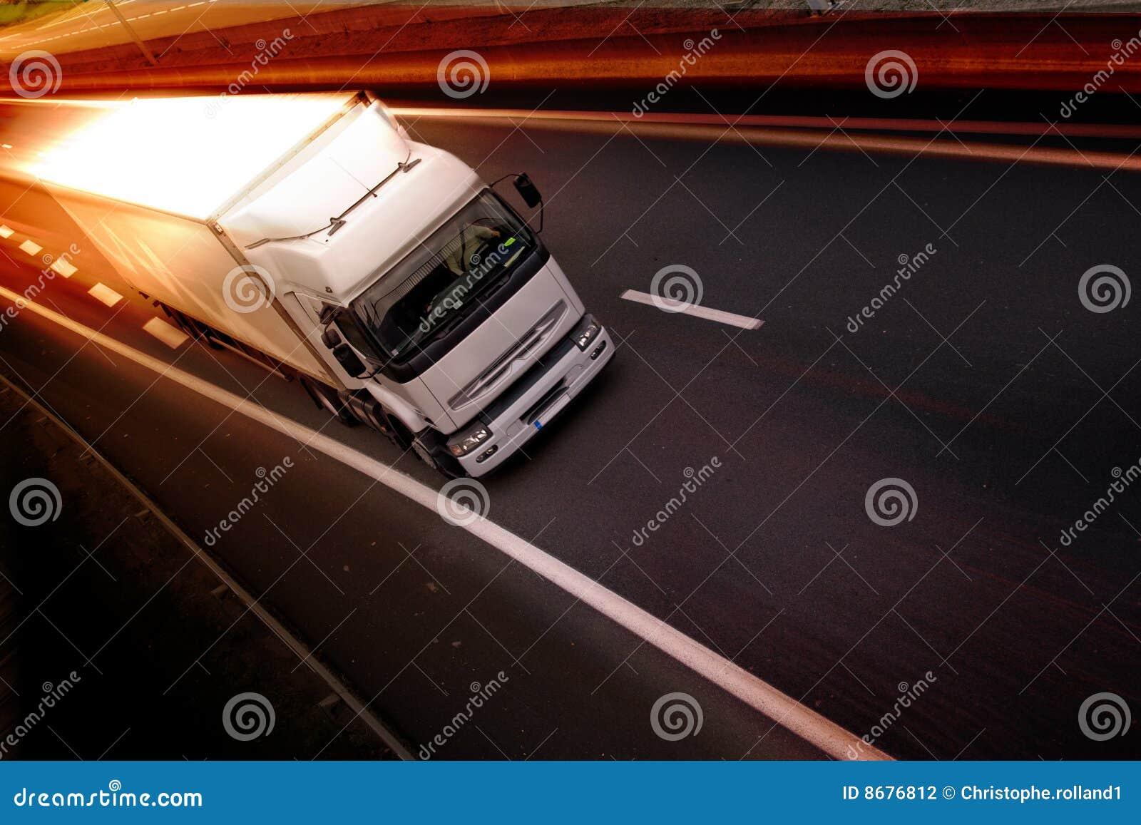 Vrachtwagen op weg