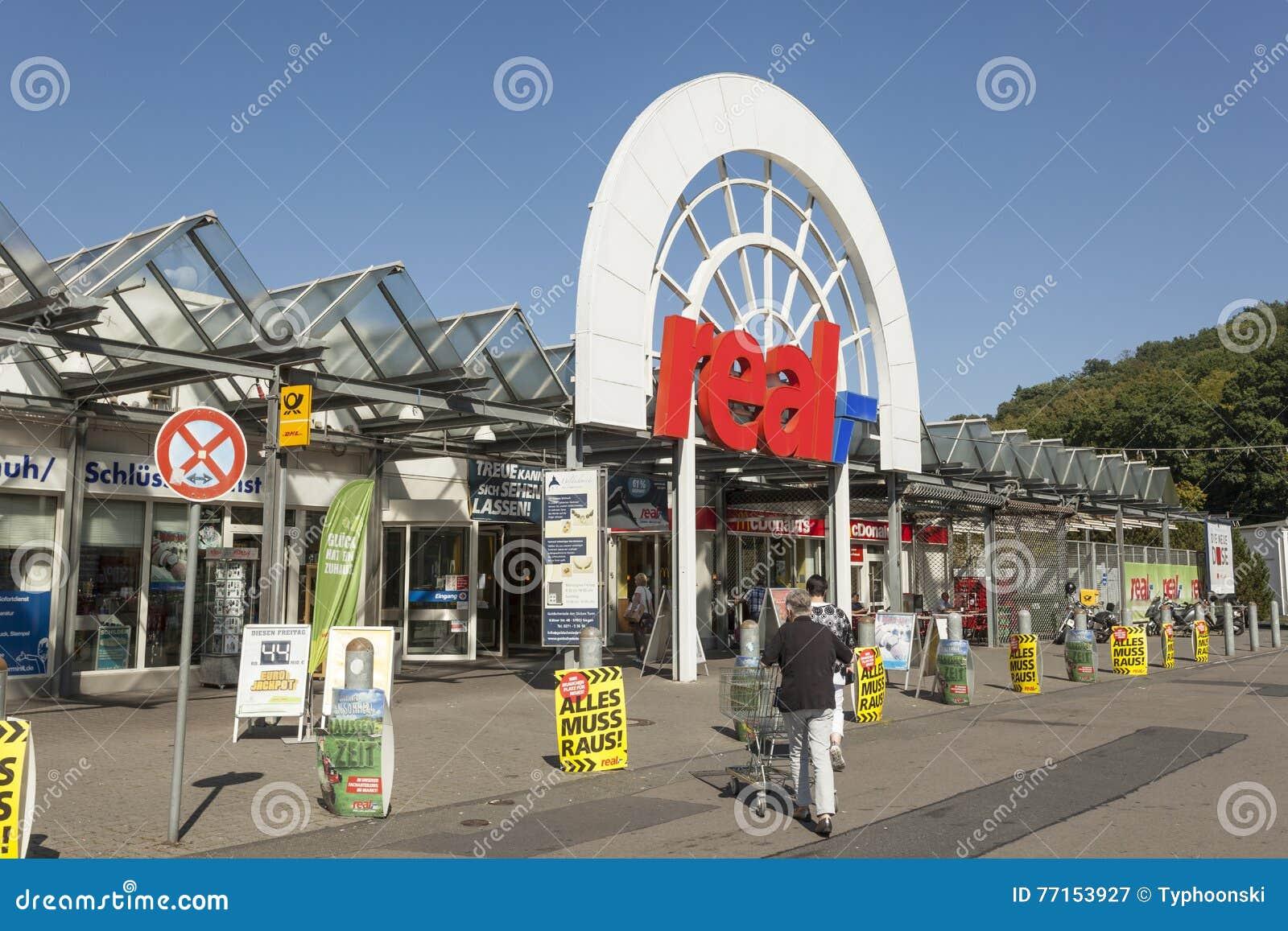 VRAI hypermarché dans Siegen, Allemagne