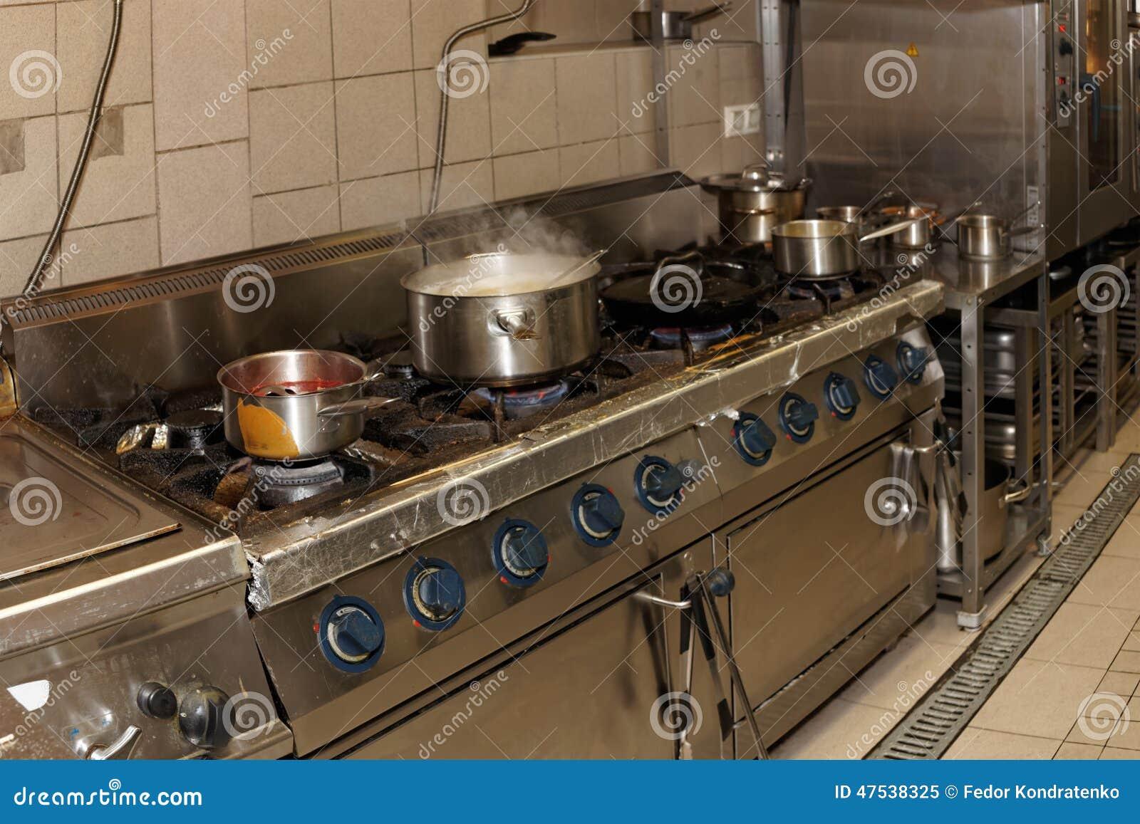 vraie cuisine de restaurant photo stock image 47538325. Black Bedroom Furniture Sets. Home Design Ideas