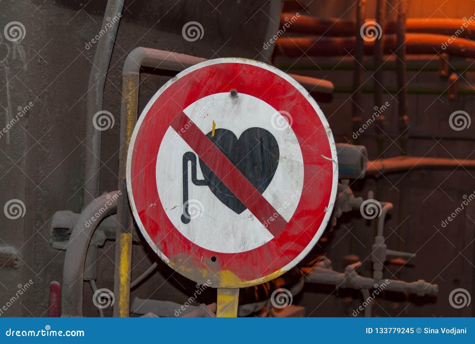Vredesmaker verboden teken in gieterij