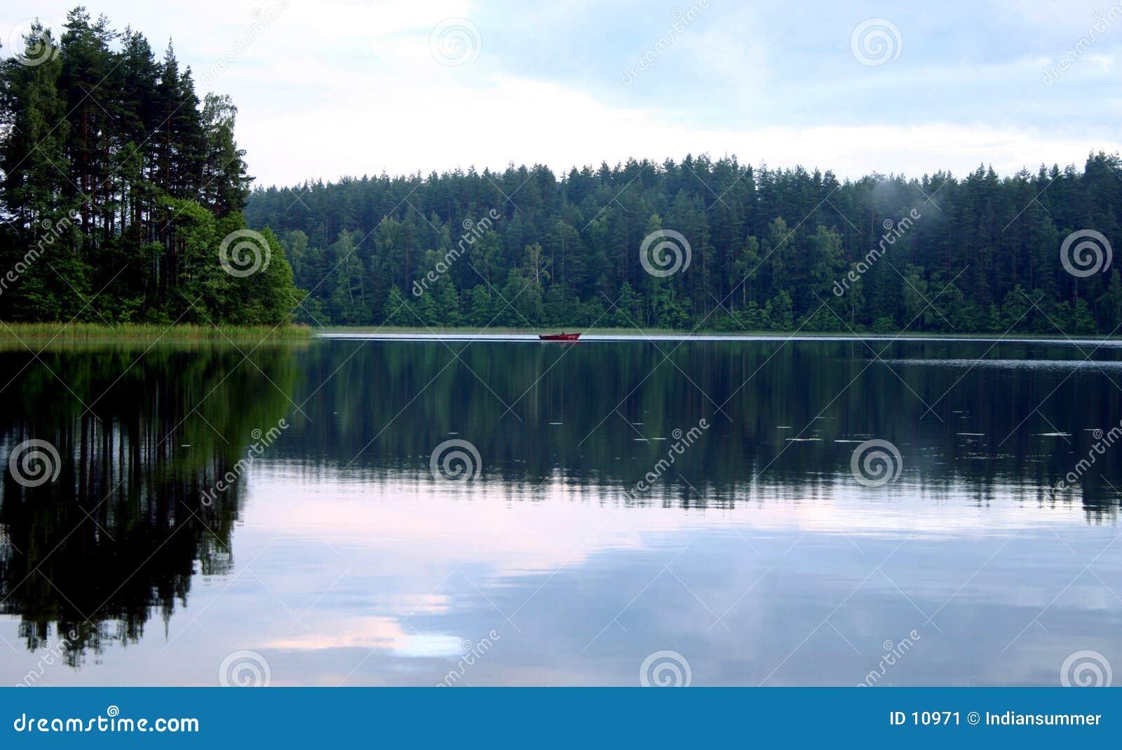 Vreedzame avond door het meer, II