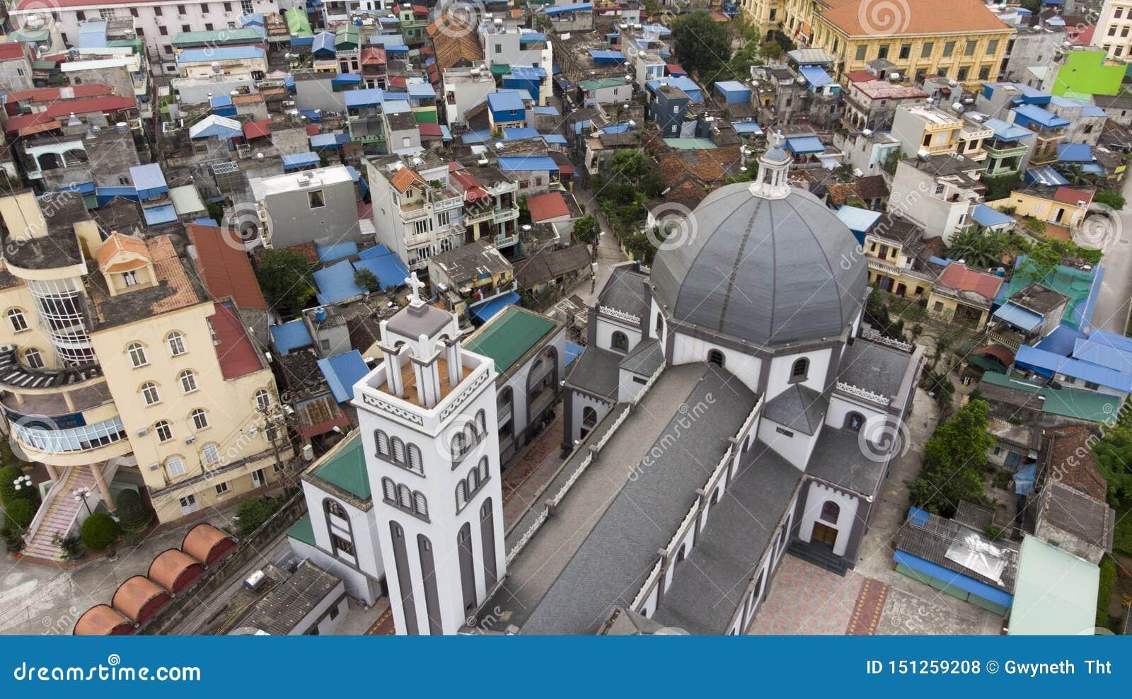 Vreemde het Bekijken Hoek het Panorama van de Kerk