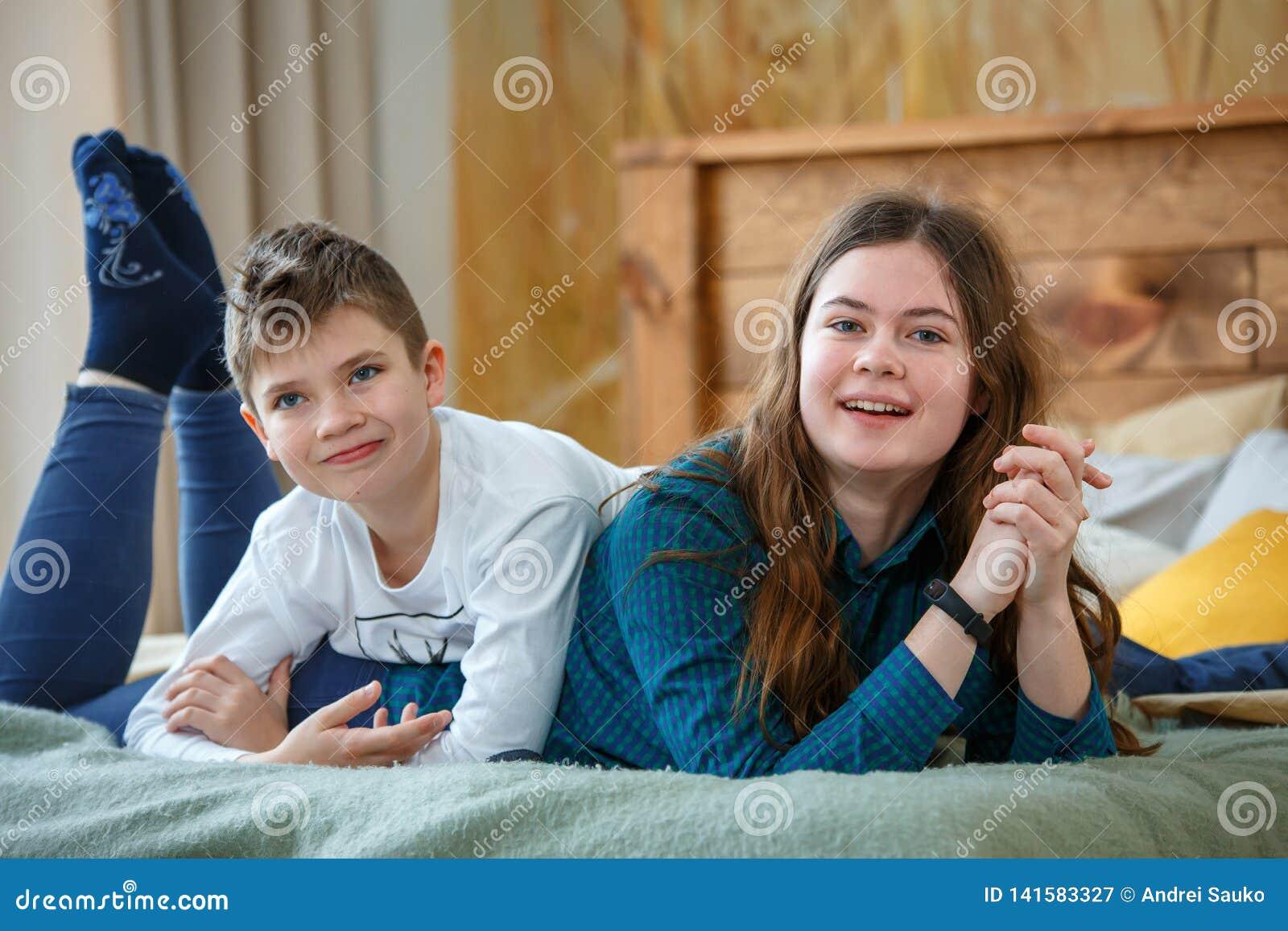 Vriendschappelijke family Broer en zuster