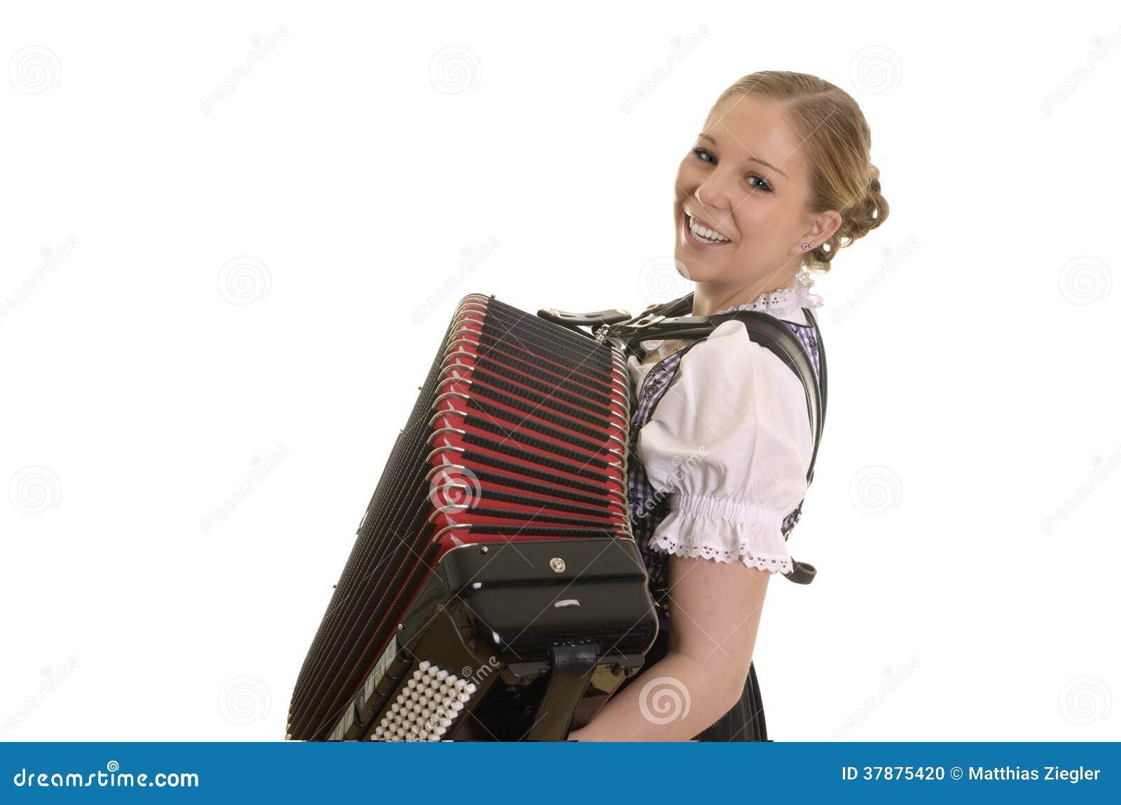 Vrij jonge drindlvrouw het spelen harmonika