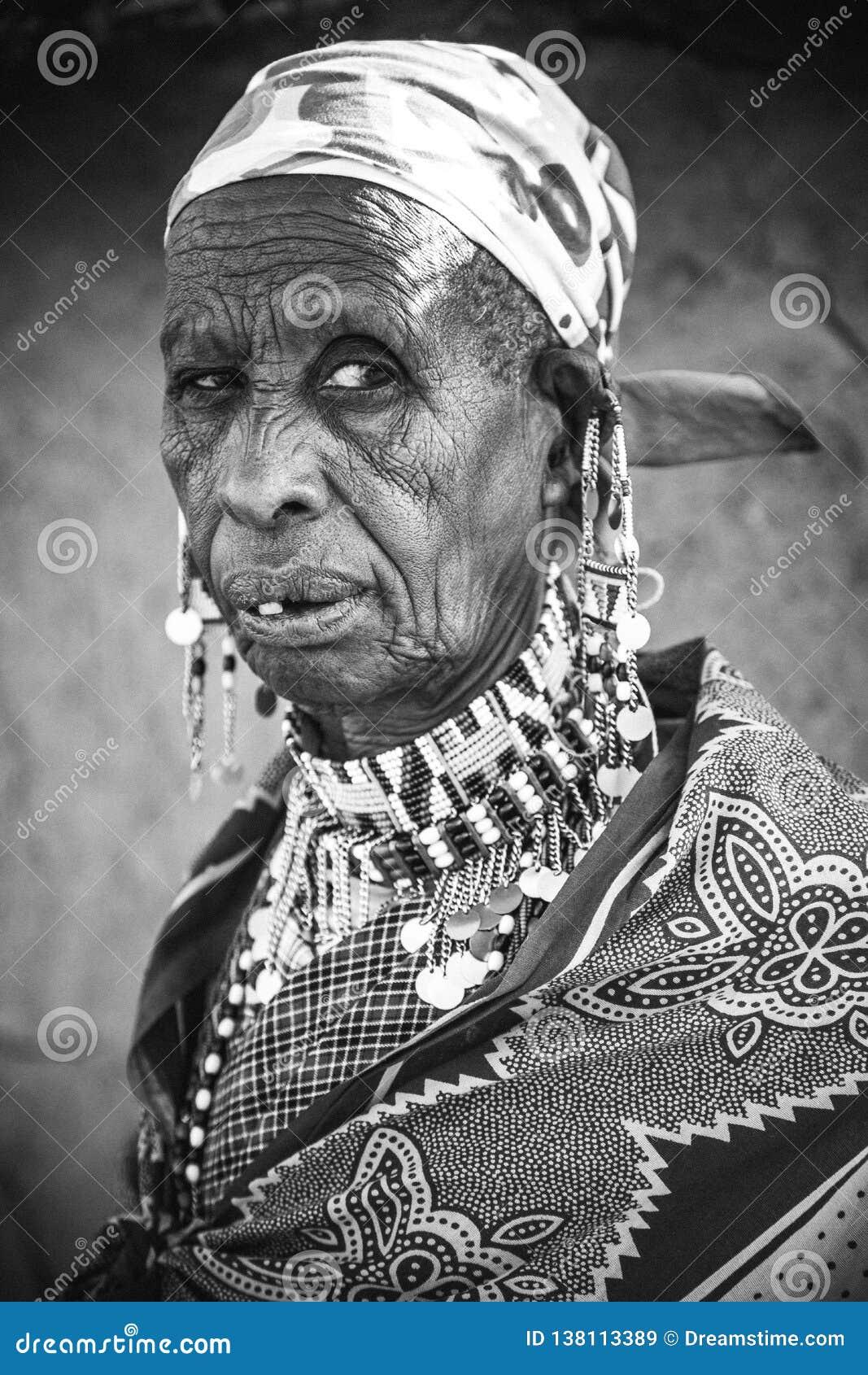 Vroedvrouw van een Masai-Dorp