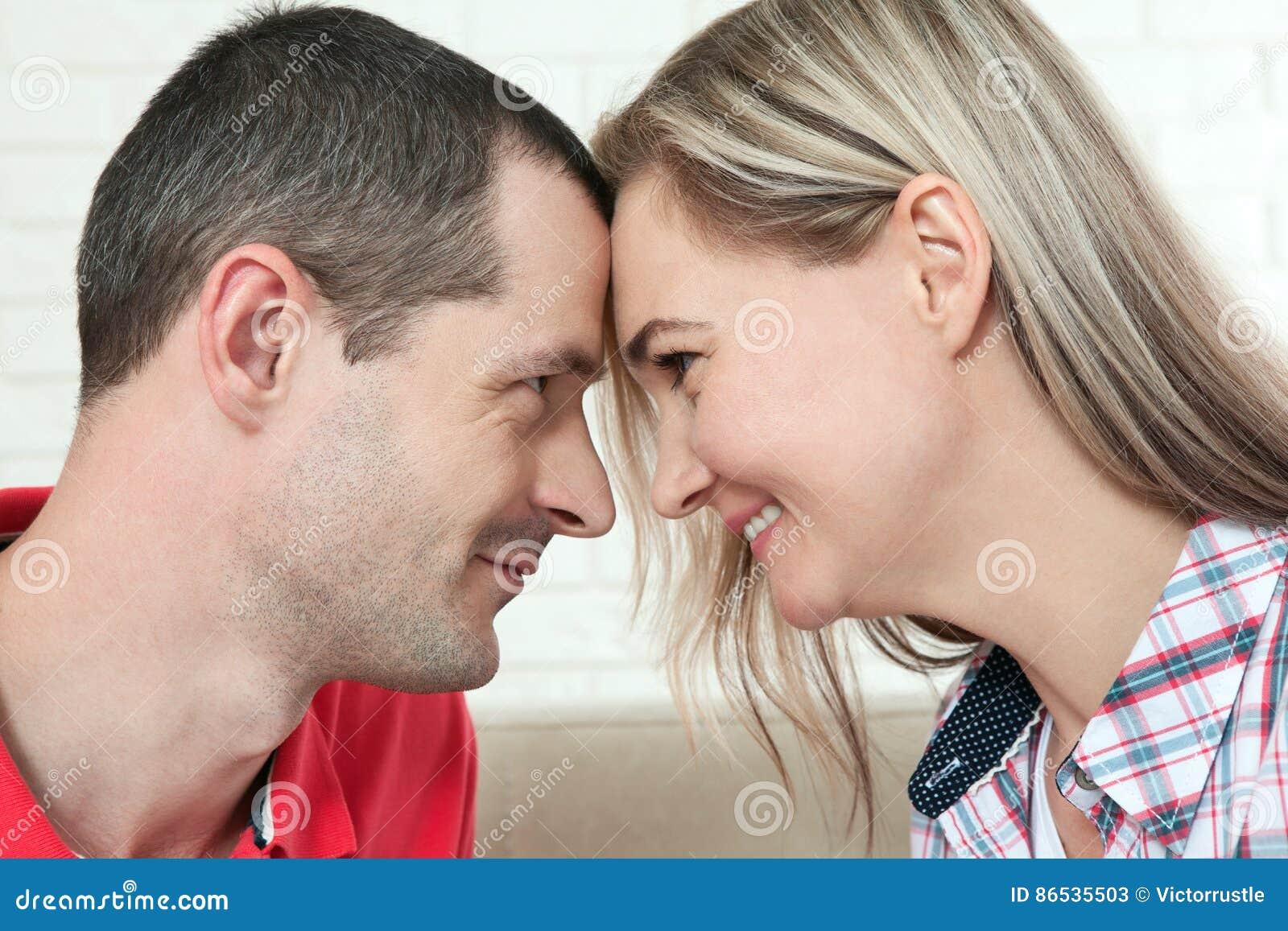 Gratis oudere vrouw jongere man dating sites