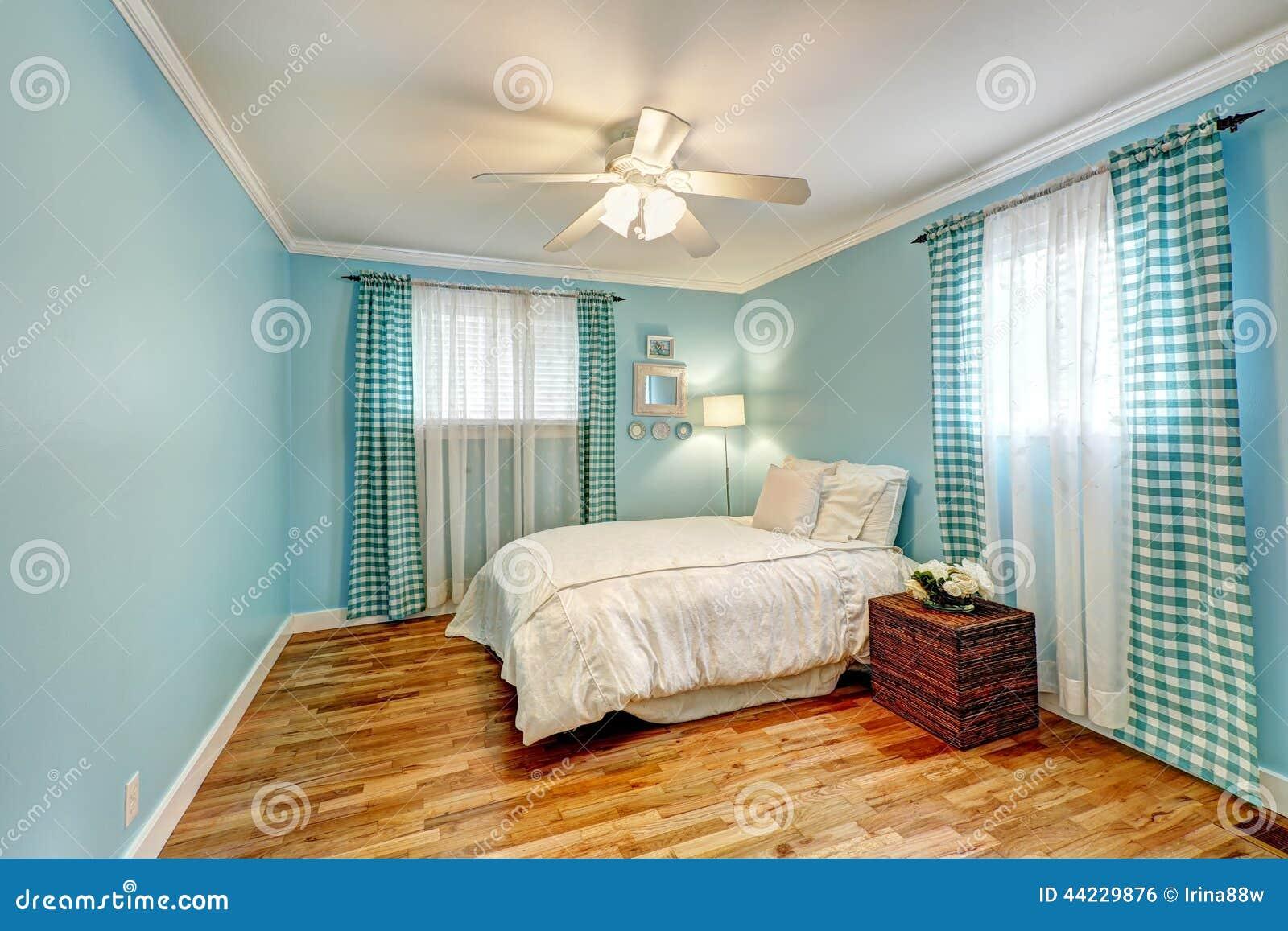 Blauwe slaapkamer stock foto's   afbeelding: 19010153