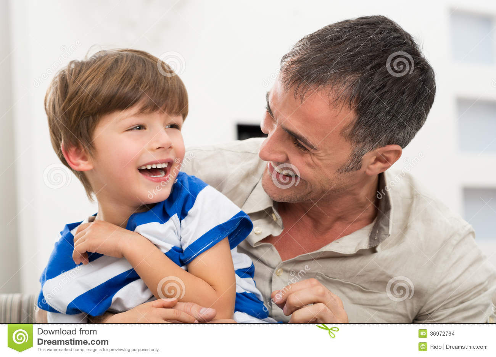 Vrolijke Vader And Son