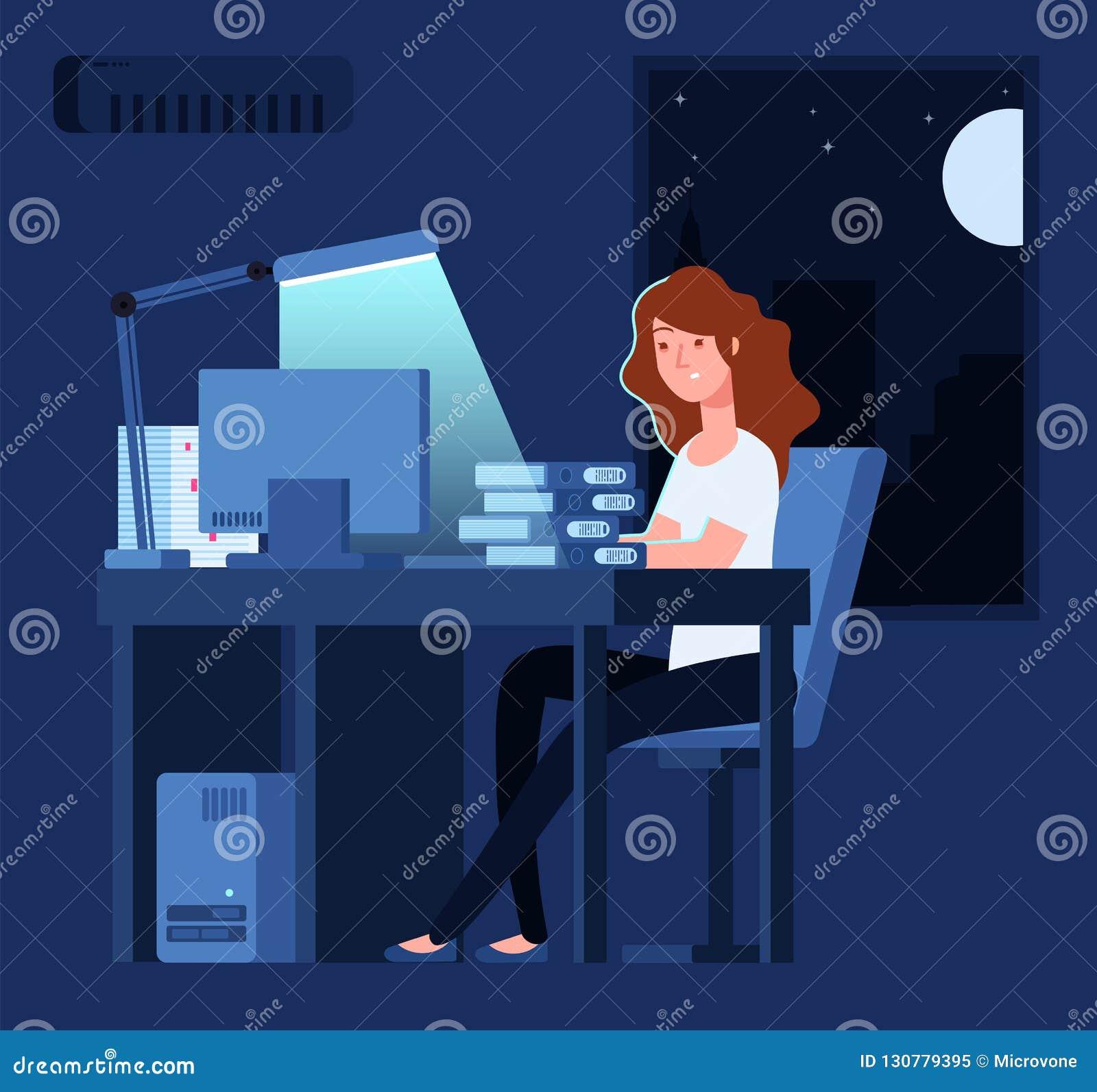 Vrouw die bij nacht werkt De ongelukkige beklemtoonde vrouwelijke recente harde werken in bureau met documenten en computer vecto
