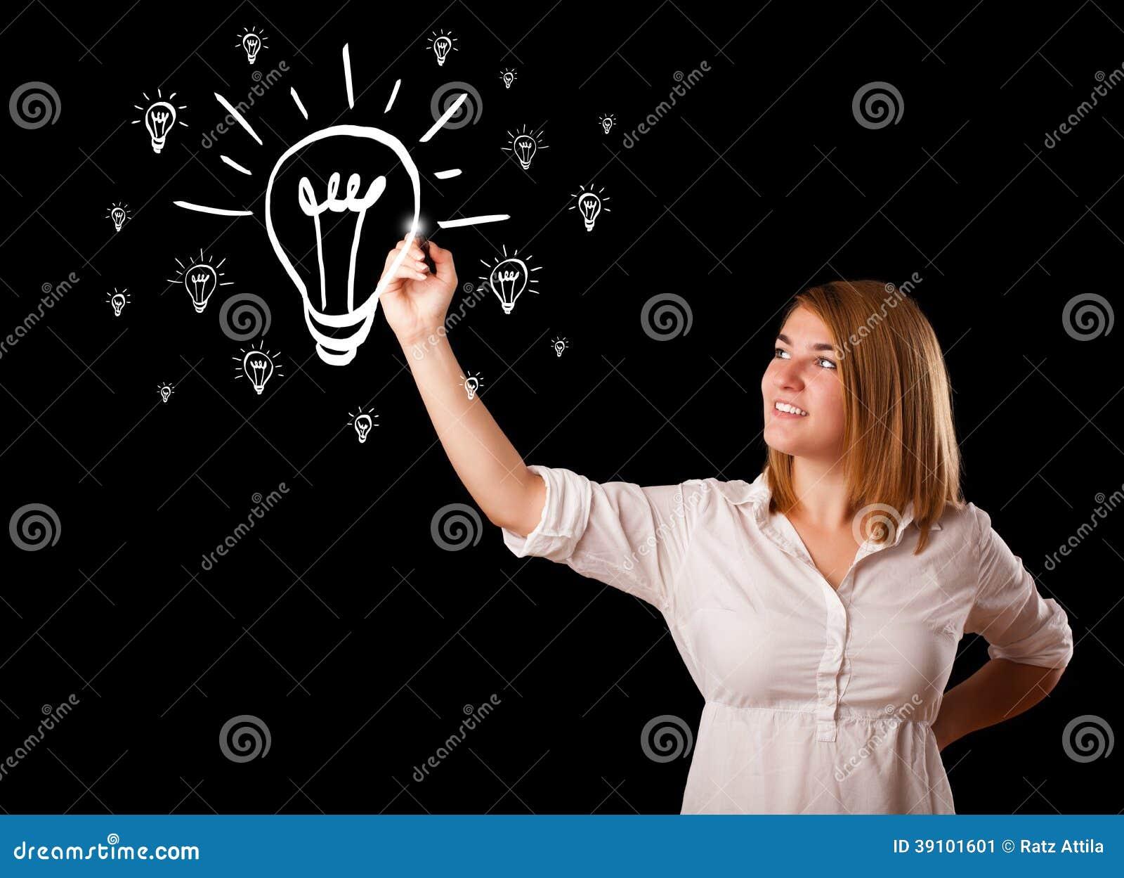 Vrouw die gloeilamp trekken op whiteboard