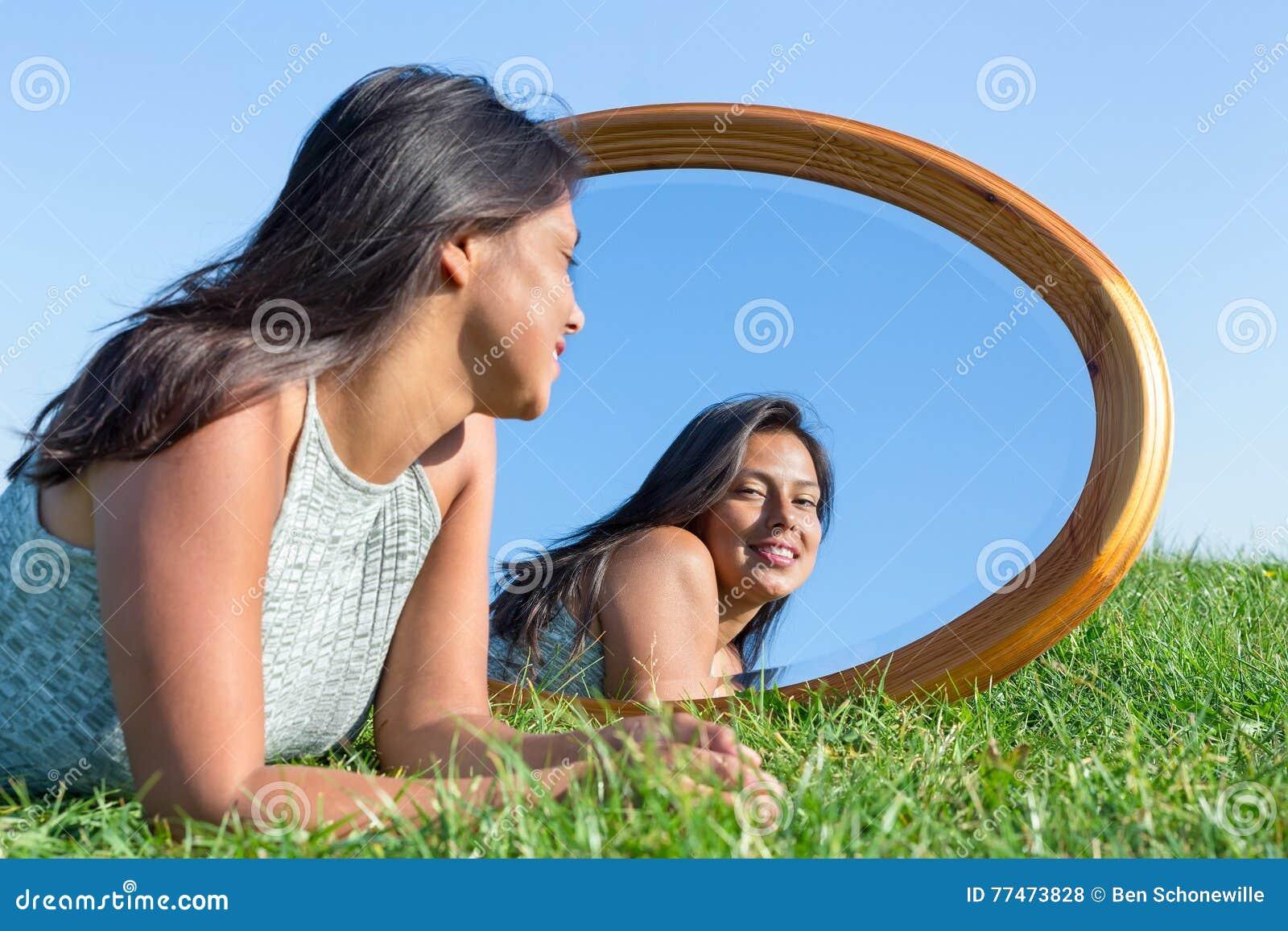 Spiegel Voor Buiten : Tuindecoratie voor aan muur fresh best tuinspiegel een spiegel