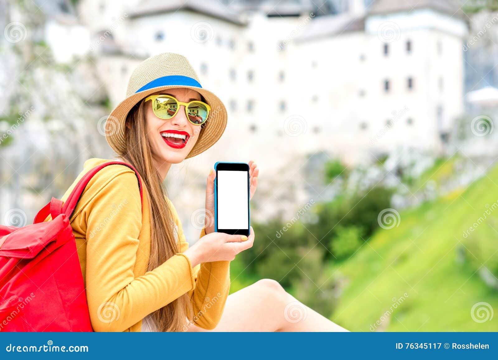 Vrouw die in Slovenië reizen