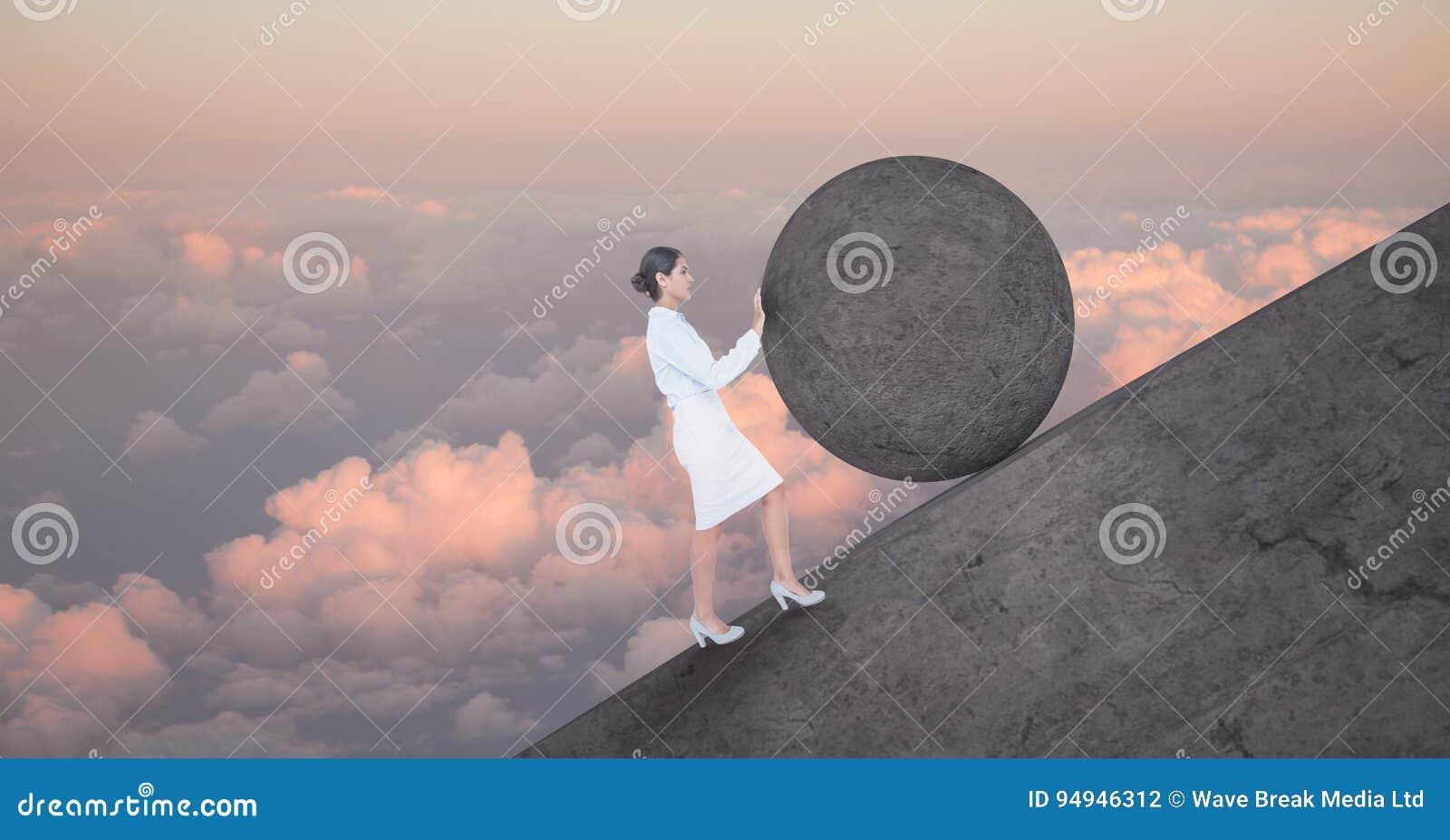 Vrouw duwen die om rots rollen