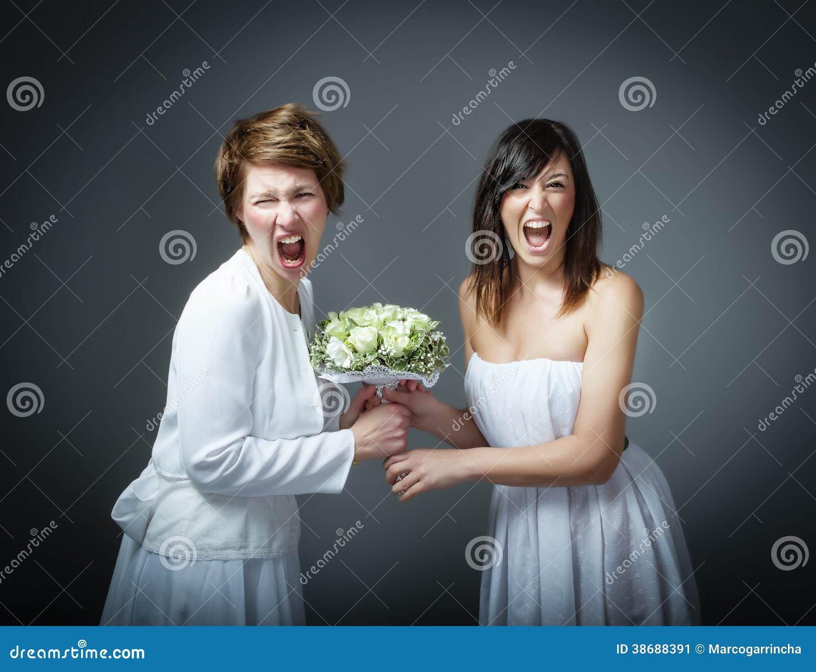 Vrouw in huwelijkskleding het gillen