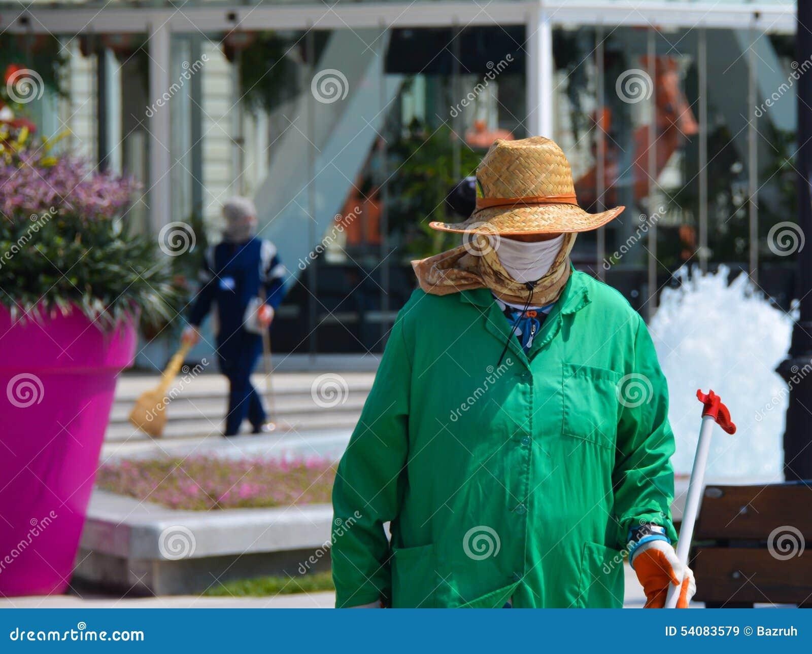 Vrouw of man? Portier op straat