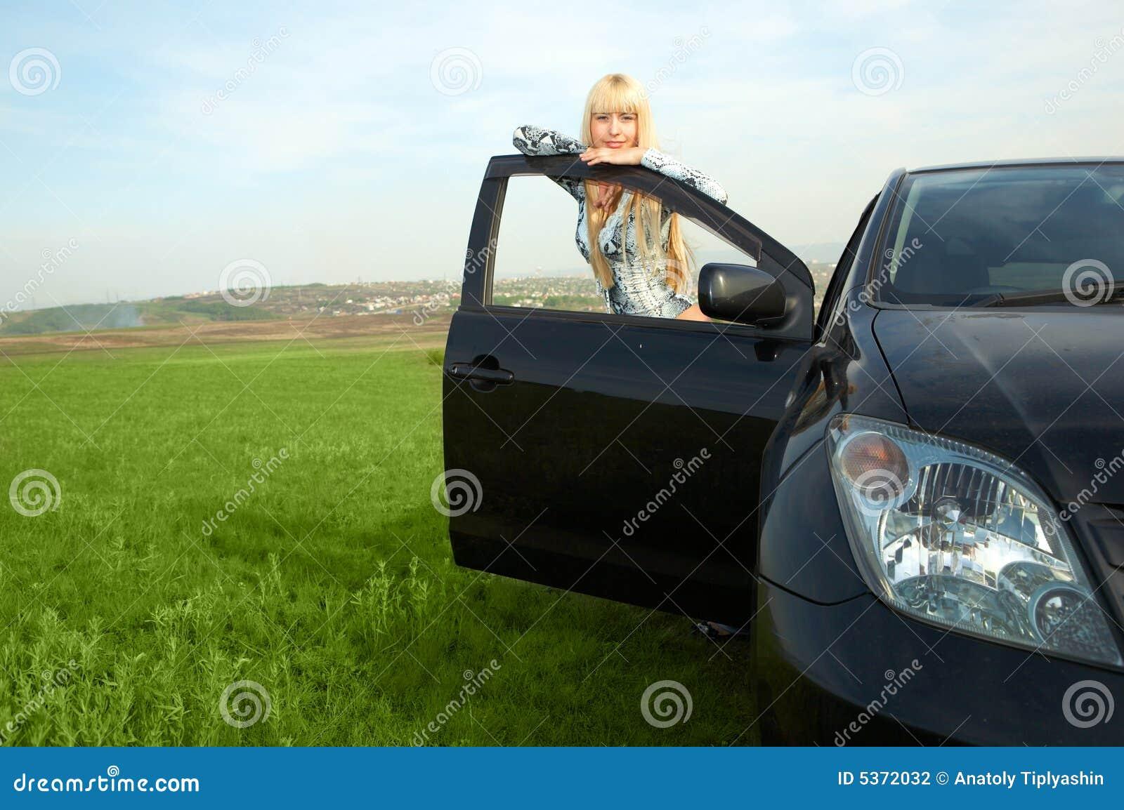 Vrouw met auto