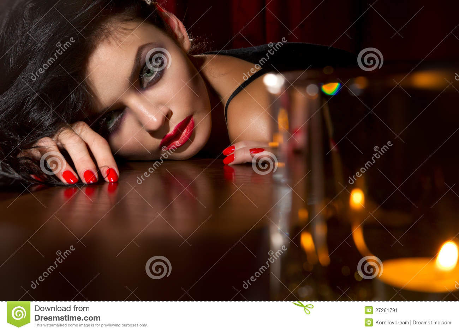 Vrouw met een kaars