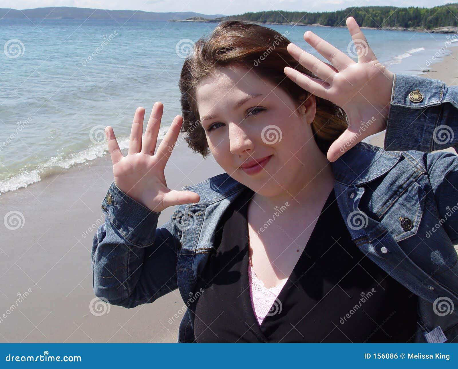 Vrouw met omhoog Handen