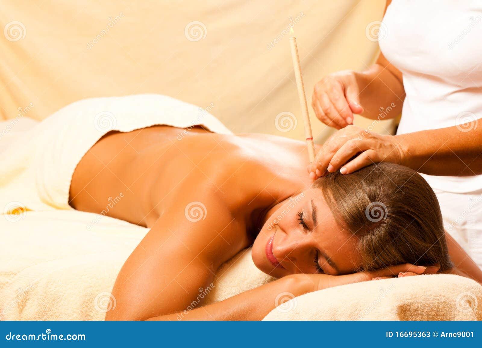 knapste vrouw intieme massage