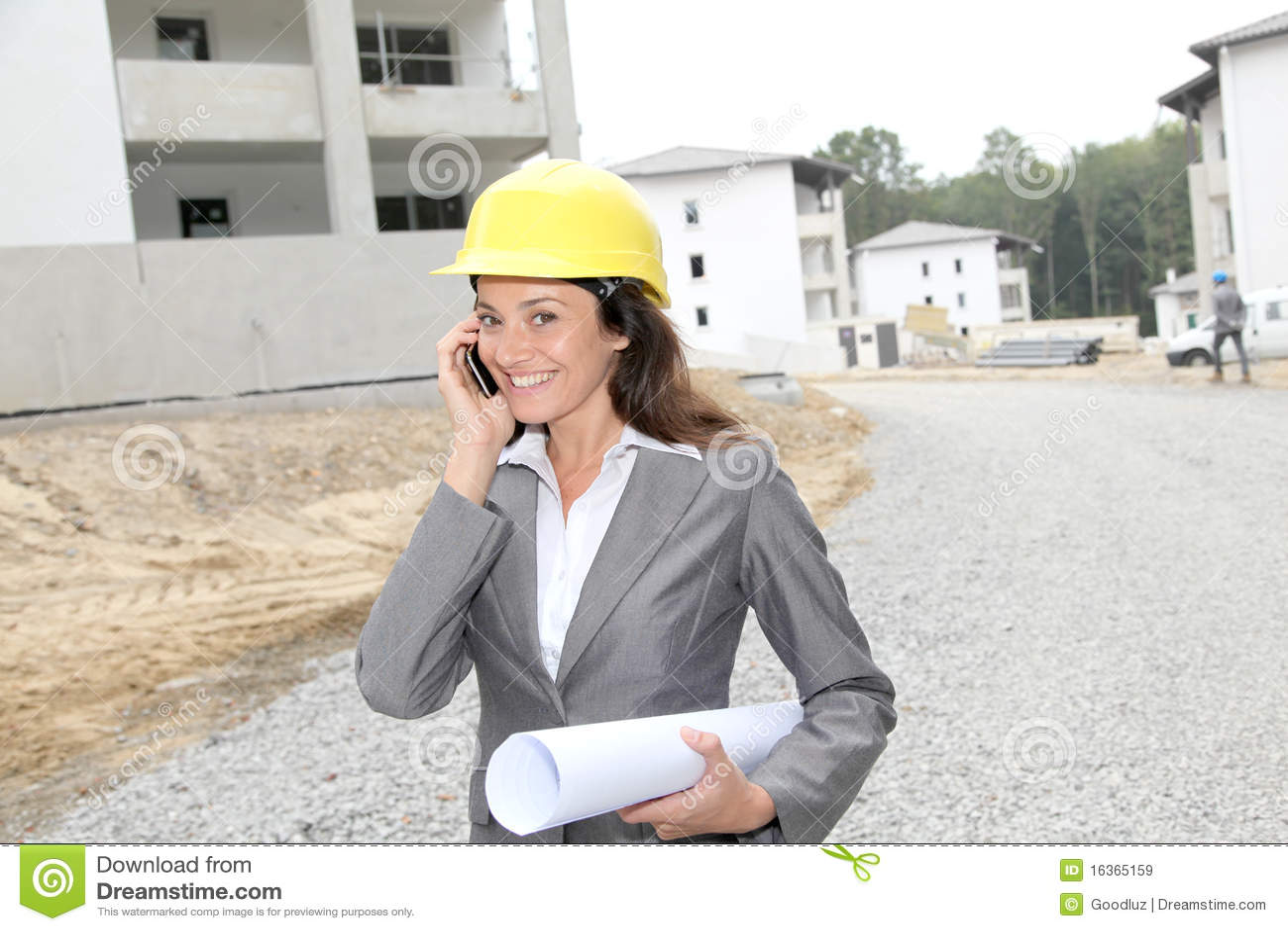 Vrouw op bouwwerf
