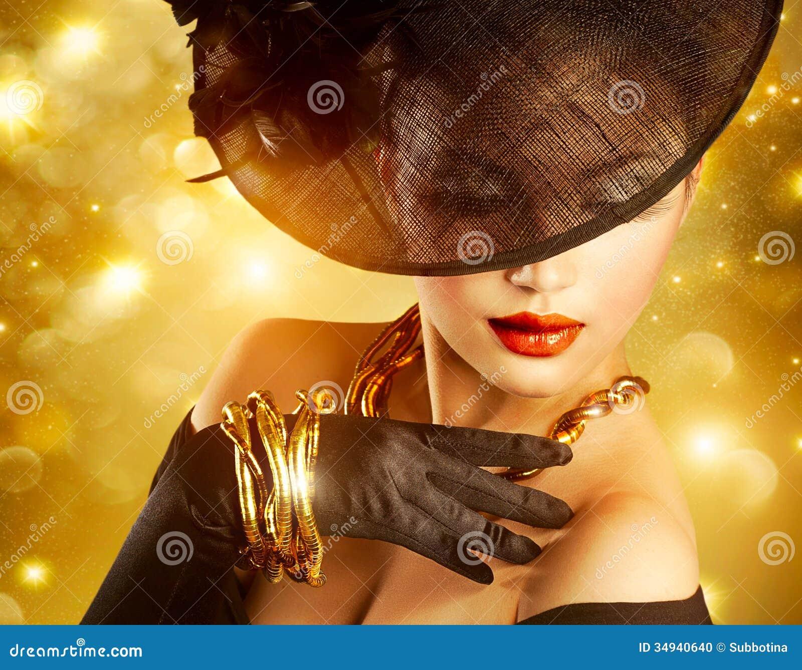 Vrouw over Gouden Achtergrond