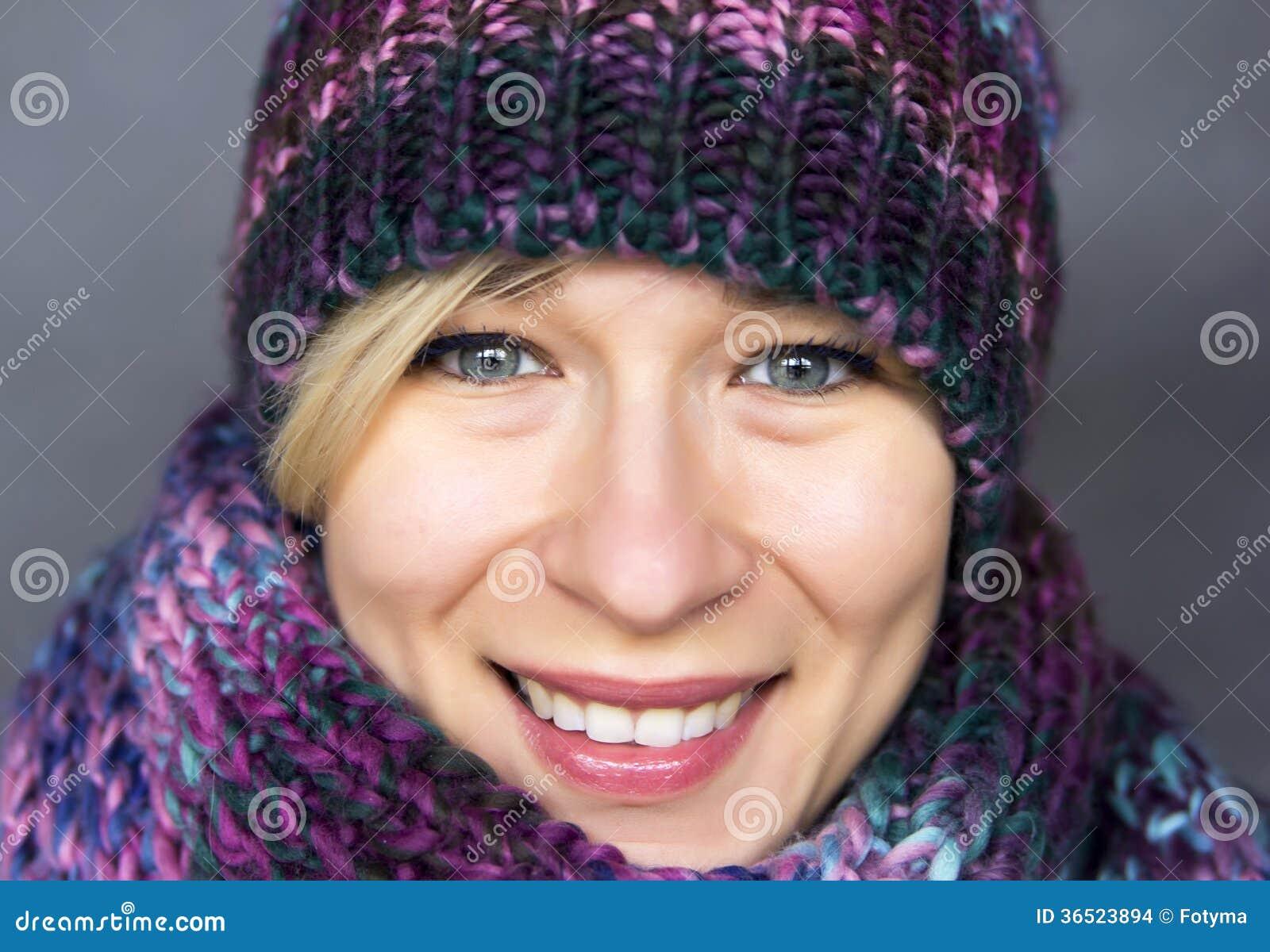 Vrouw in sjaal