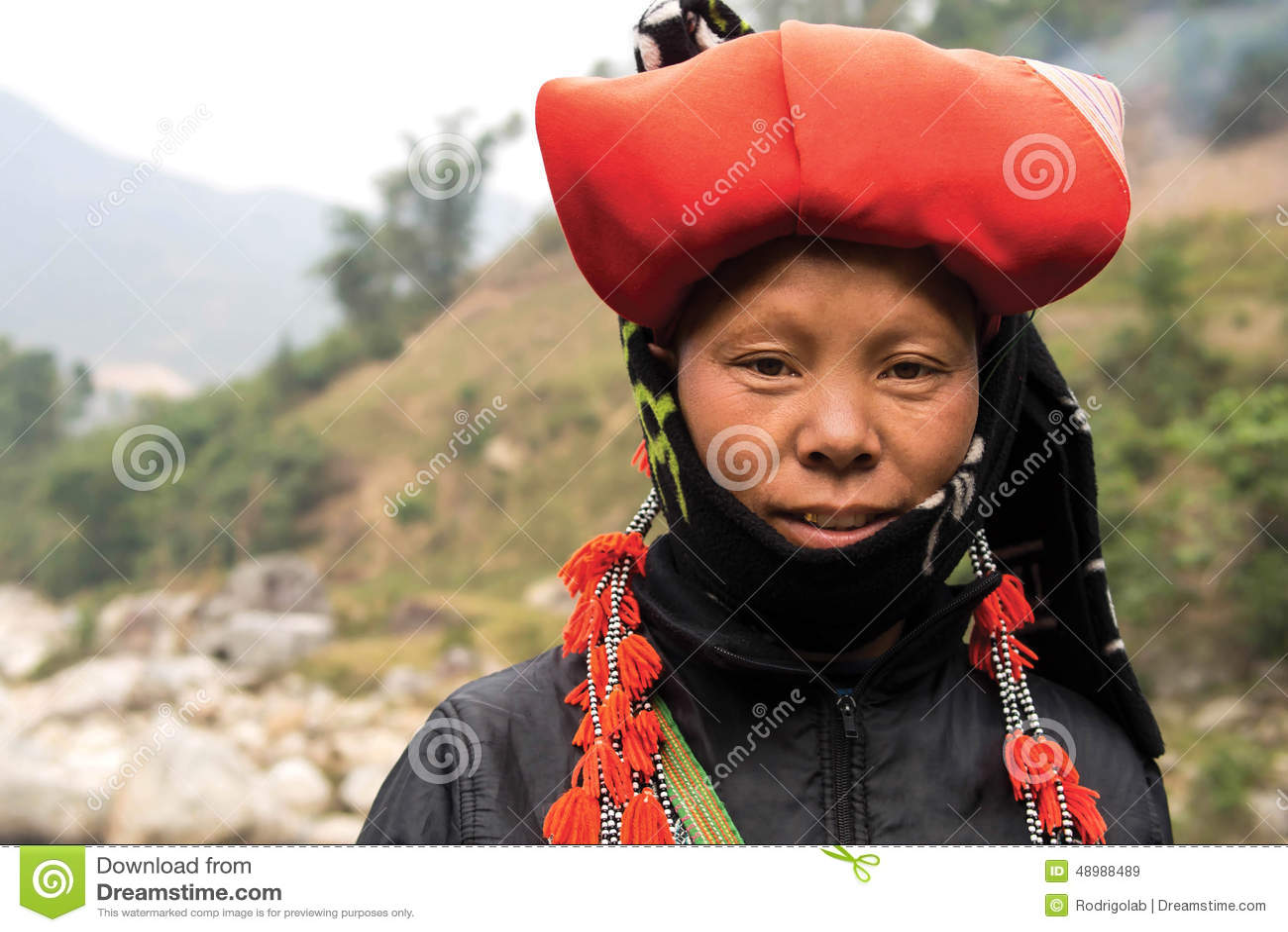 Vrouw van Rood Dao Minority Group in Sapa, Vietnam