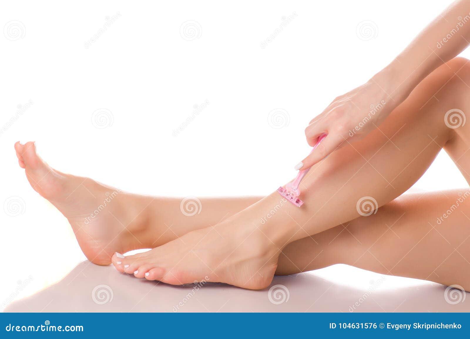Download Vrouwelijk benenscheermes stock foto. Afbeelding bestaande uit mensen - 104631576