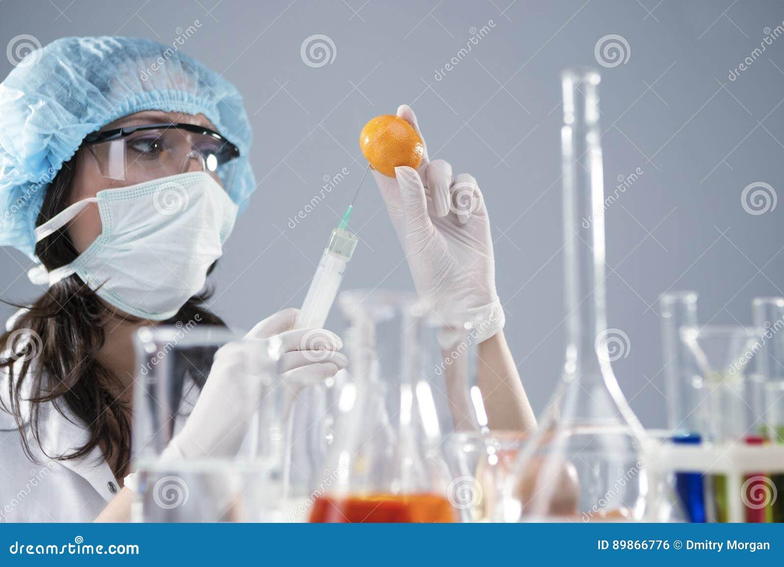 Het maken van een vrouwelijke spuiten
