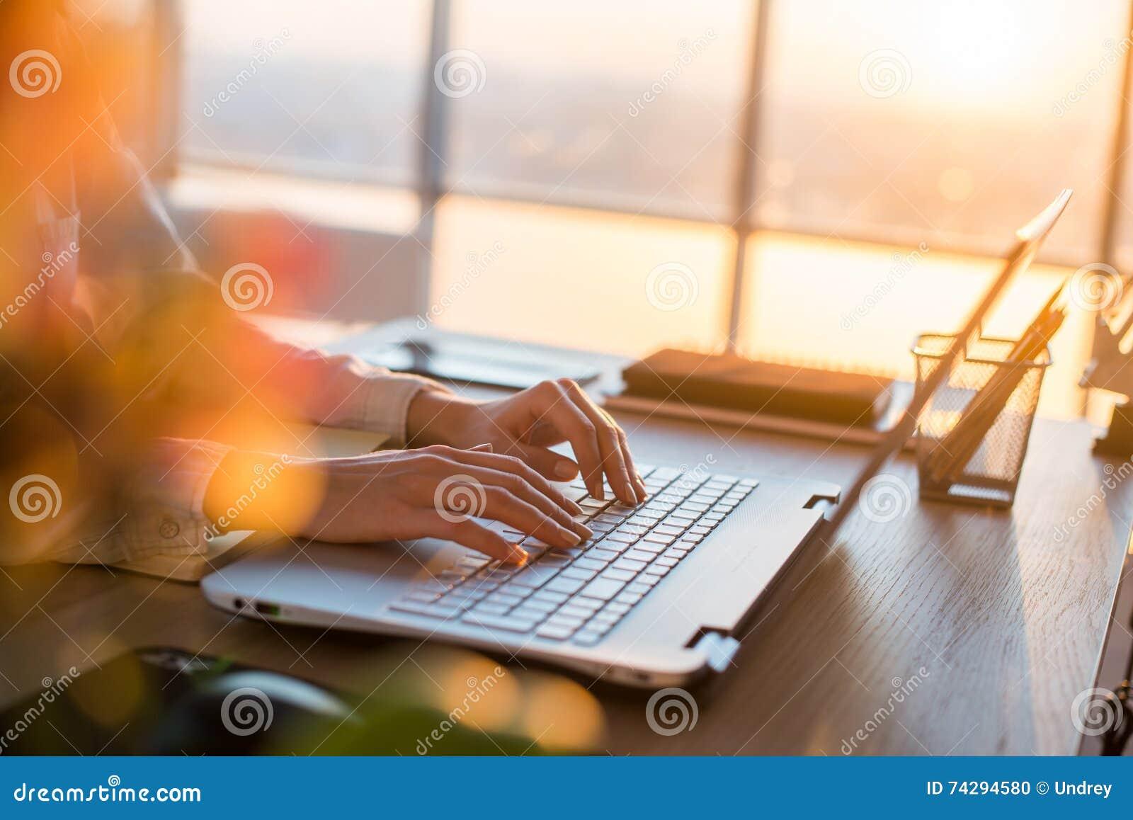 Verdien geld online en van thuis uit