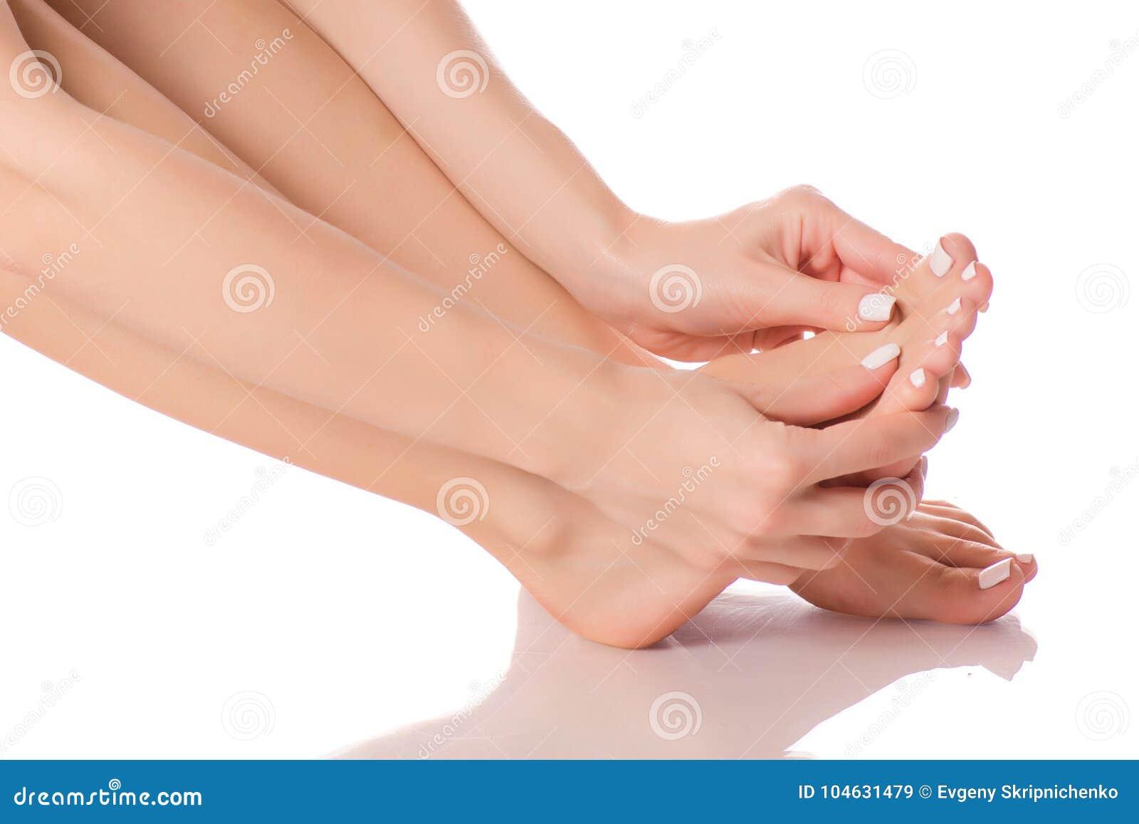 Download Vrouwelijke Van De Hielvoeten Massage Stock Afbeelding - Afbeelding bestaande uit hygiëne, aantrekkelijk: 104631479