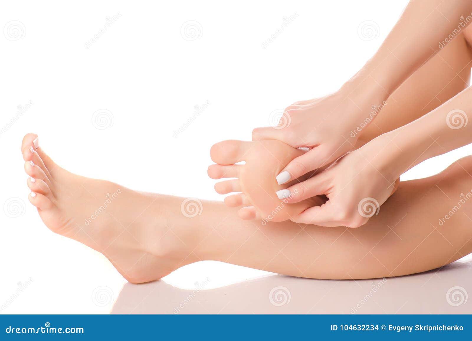 Download Vrouwelijke Van De Hielvoeten Massage Stock Foto - Afbeelding bestaande uit schoonheidsmiddelen, frans: 104632234