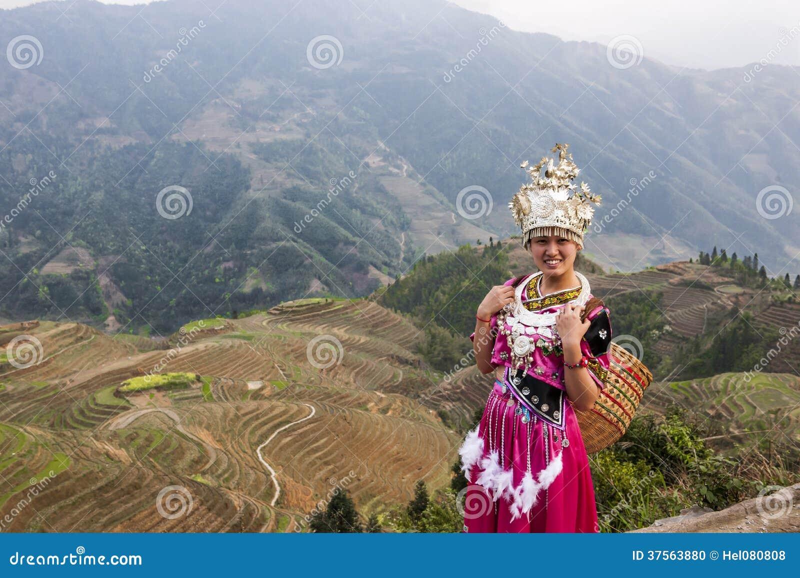 Vrouwen in de rijstterrassen in Longsheng, China