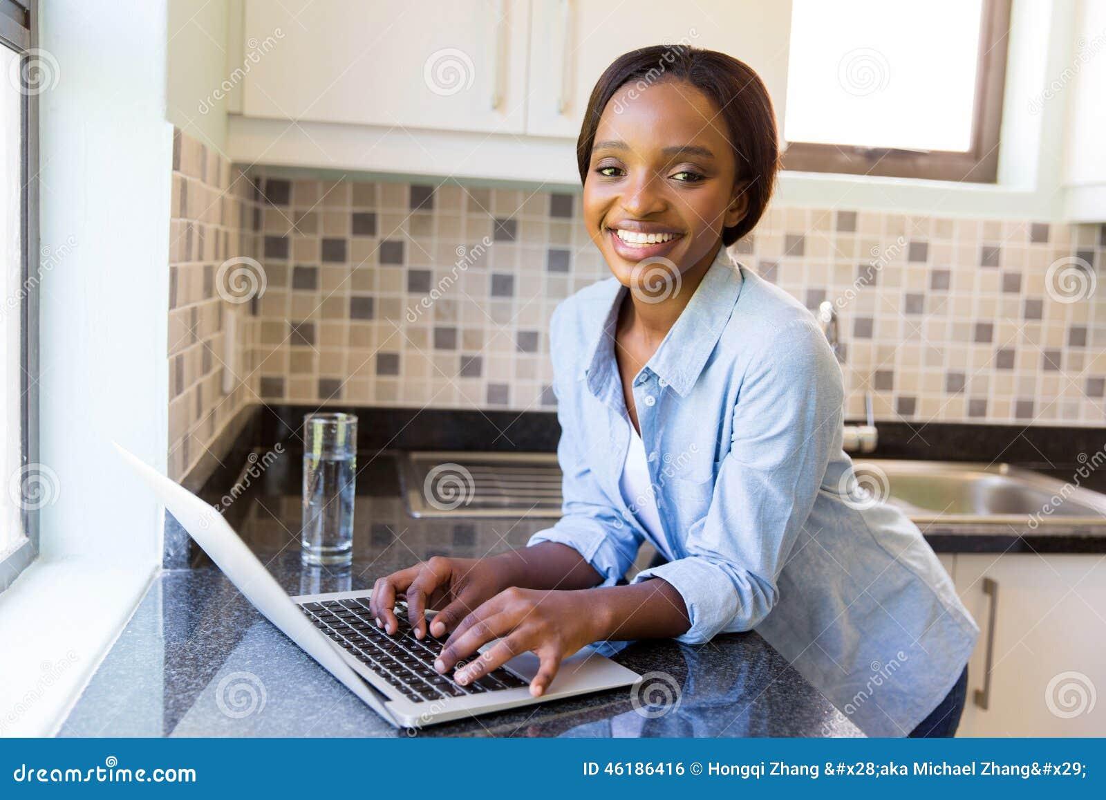 Vrouwenlaptop computer