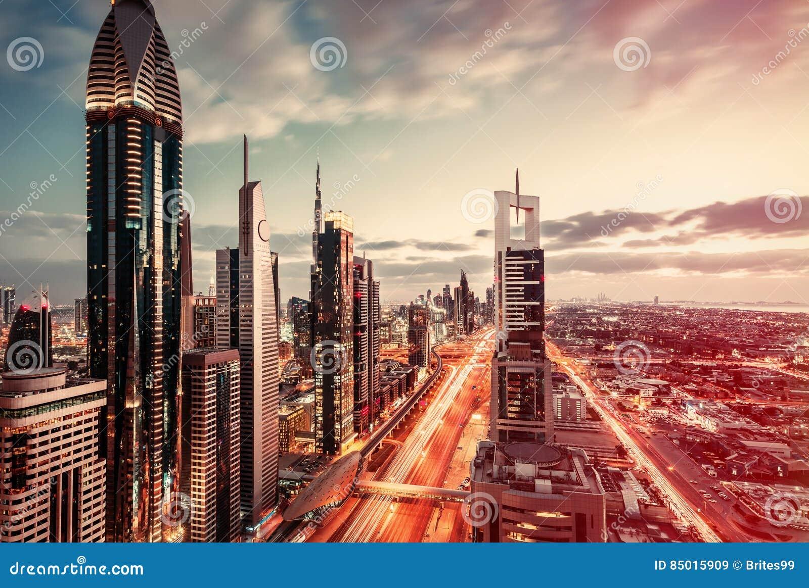 Vue aérienne au-dessus de Dubaï du centre, EAU Voyage artistique et fond architectural