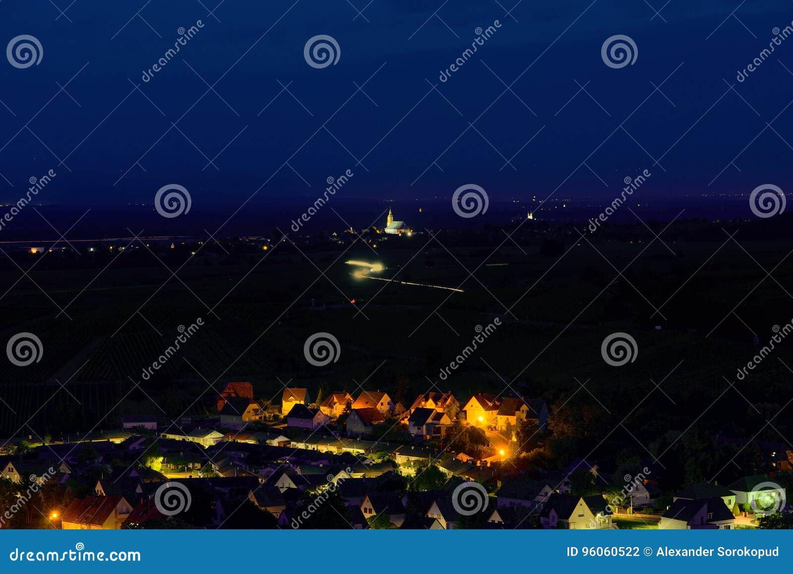 Vue aérienne au village Andlau dans les Frances