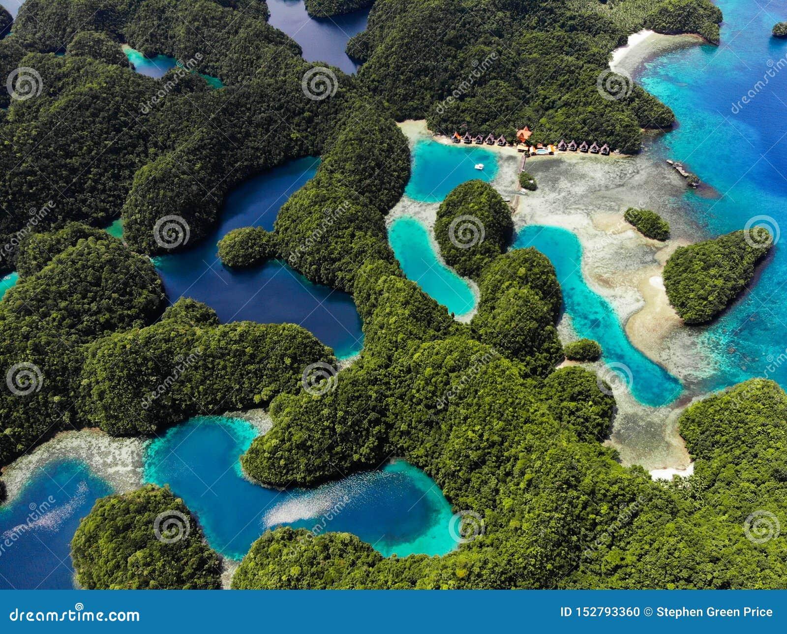 Vue aérienne - crique de Sohoton, Siargao - les Philippines