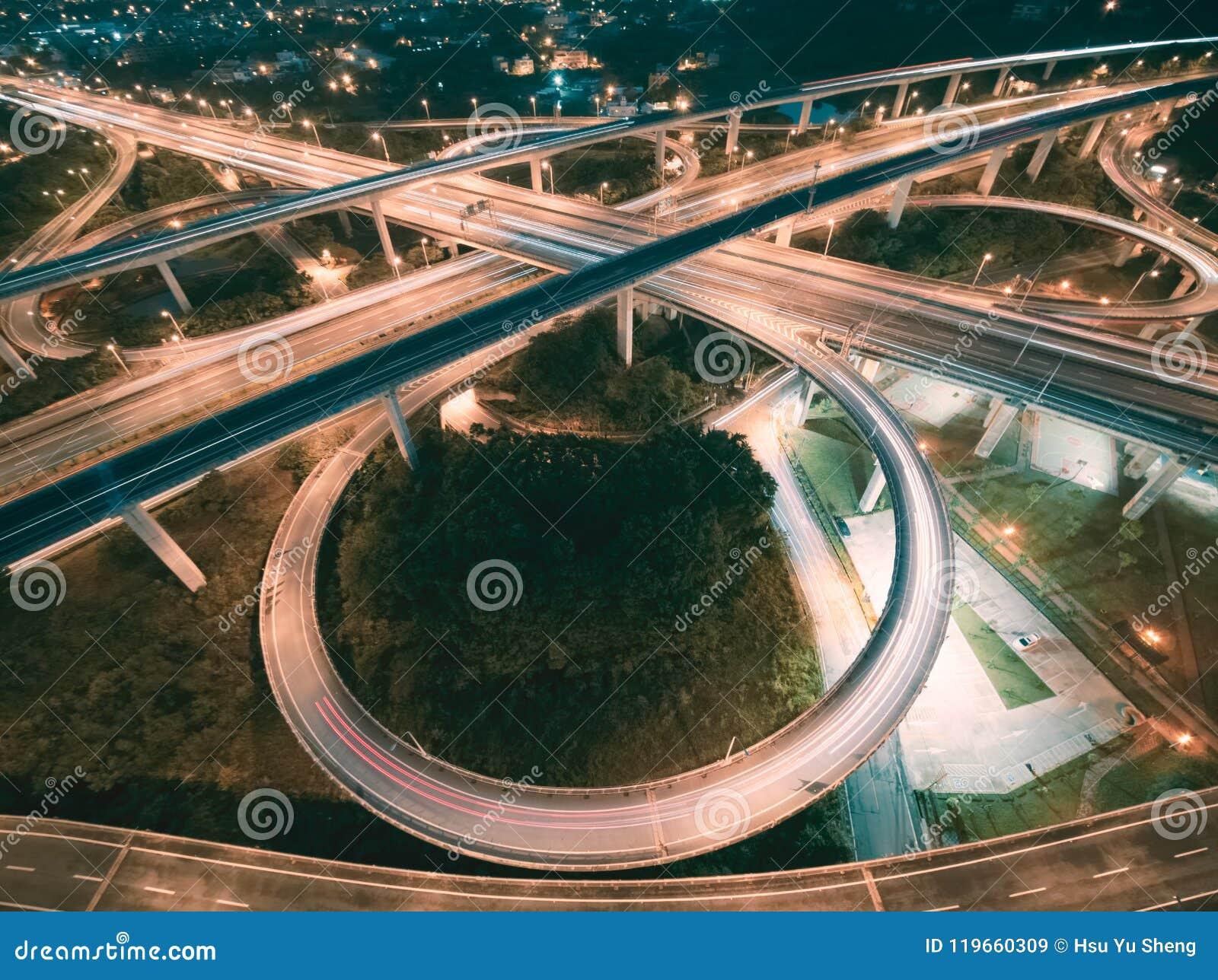 Vue aérienne d échange de route - transportez l image de concept