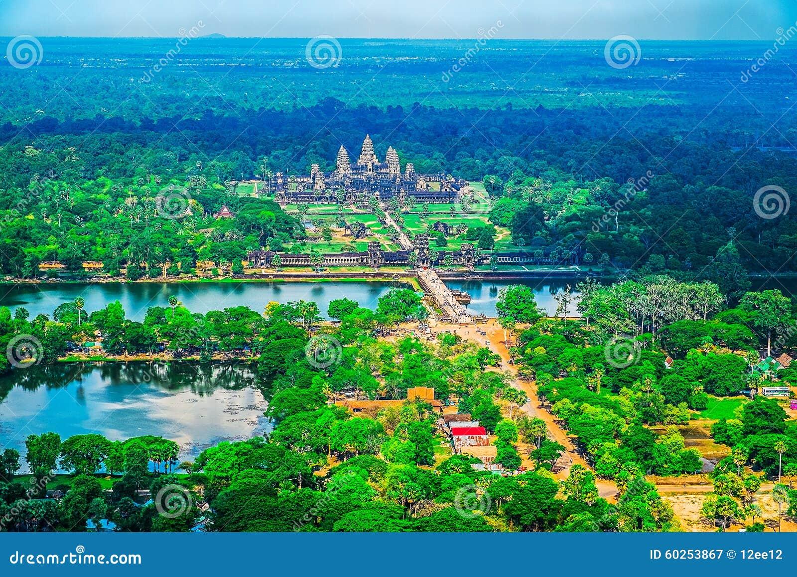 Vue aérienne d Angkor Wat Temple