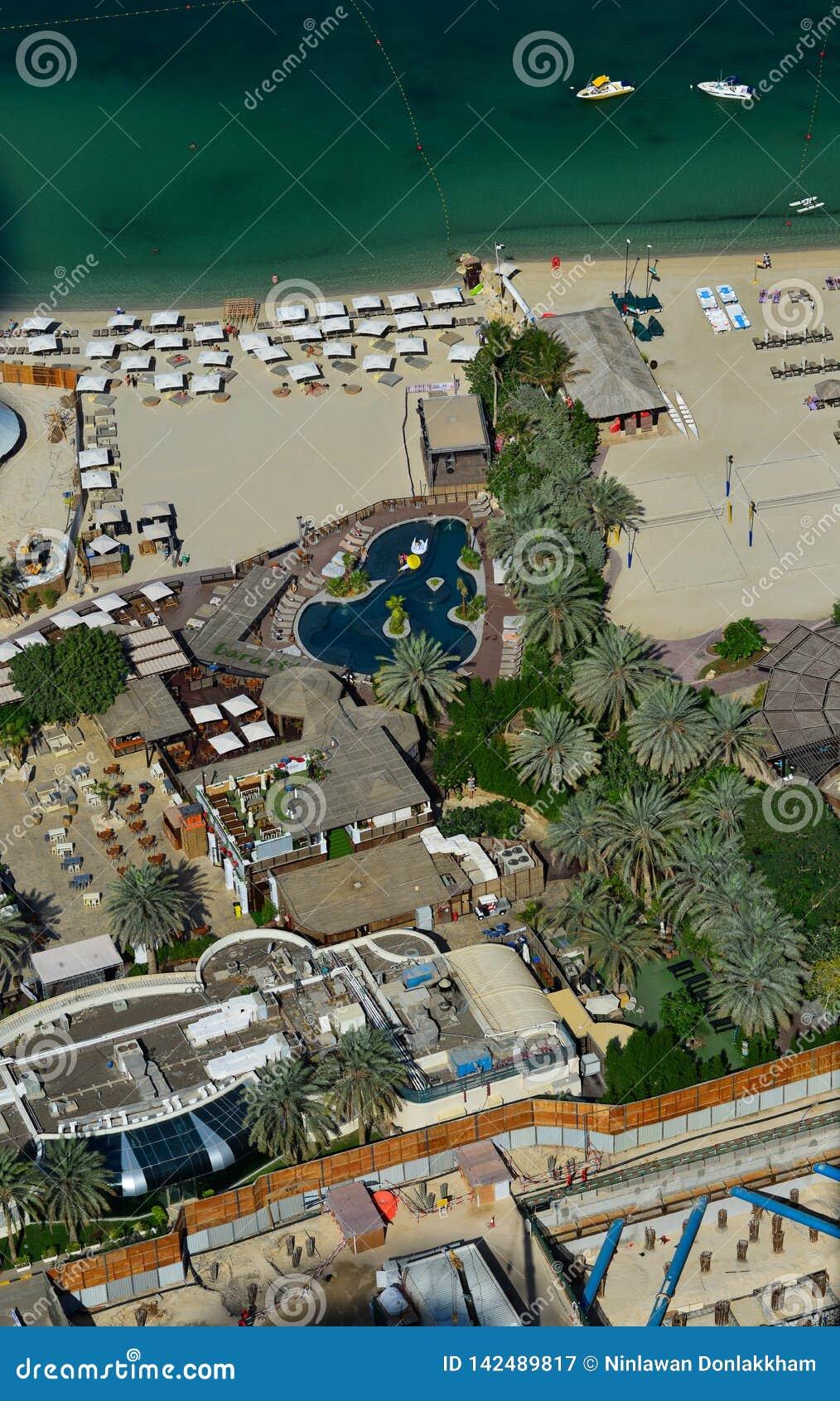 Vue aérienne d une belle côte à Dubaï