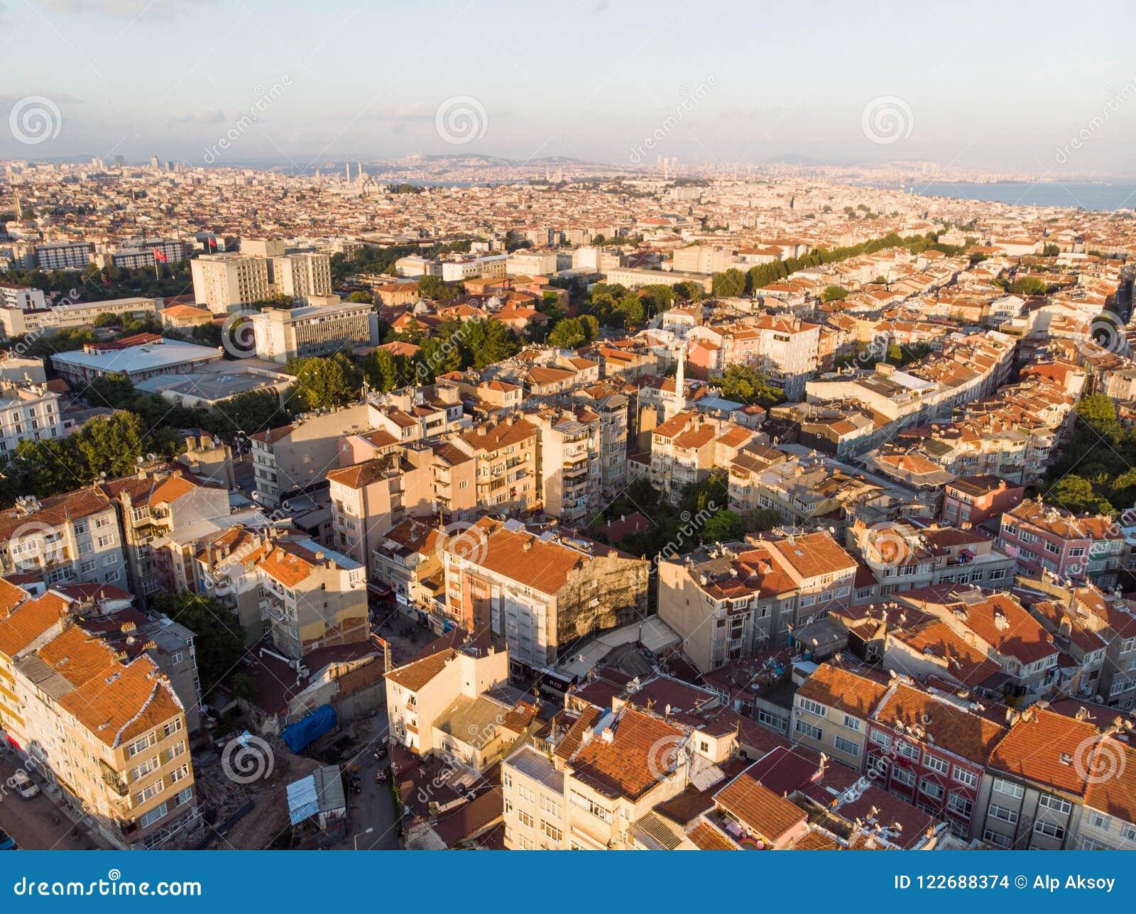Vue aérienne de bourdon d urbanisation non planifiée Istanbul Capa Sehremini Aksaray/Turquie