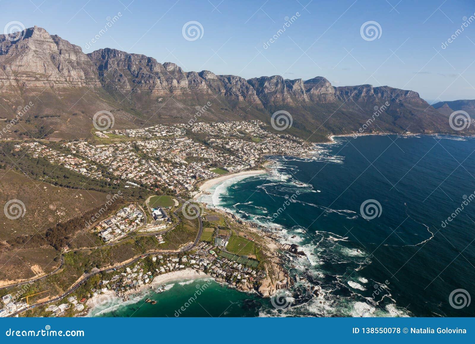 Vue aérienne de Capetown Afrique du Sud d un hélicoptère Vue d oeil d oiseaux de panorama