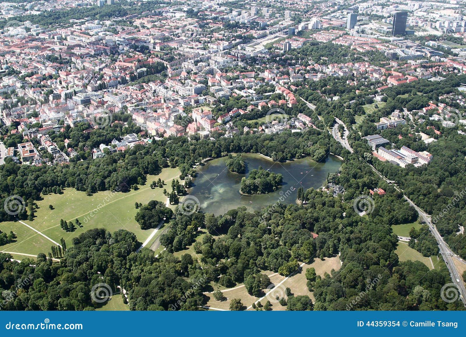Vue a rienne de jardin anglais munich photo stock image du beau europe 44359354 - Vue de jardin ...